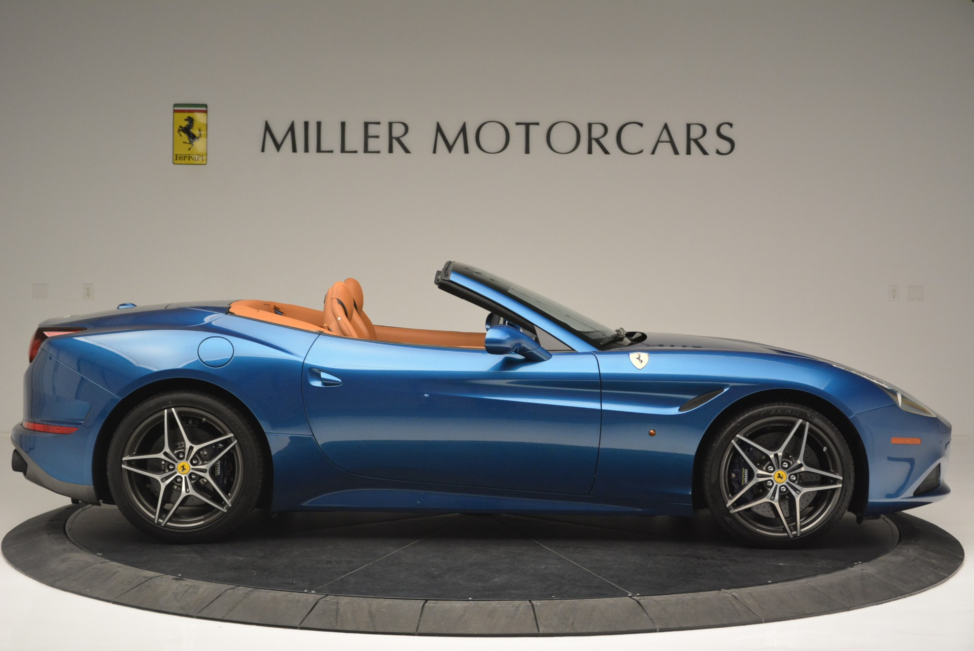 Used 2017 Ferrari California T Handling Speciale For Sale In Westport, CT 2313_p9