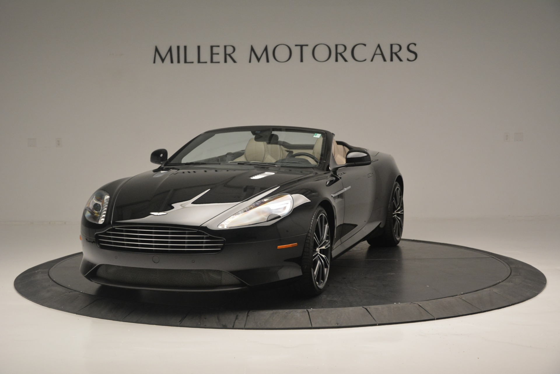 Used 2015 Aston Martin DB9 Volante For Sale In Westport, CT 2318_main