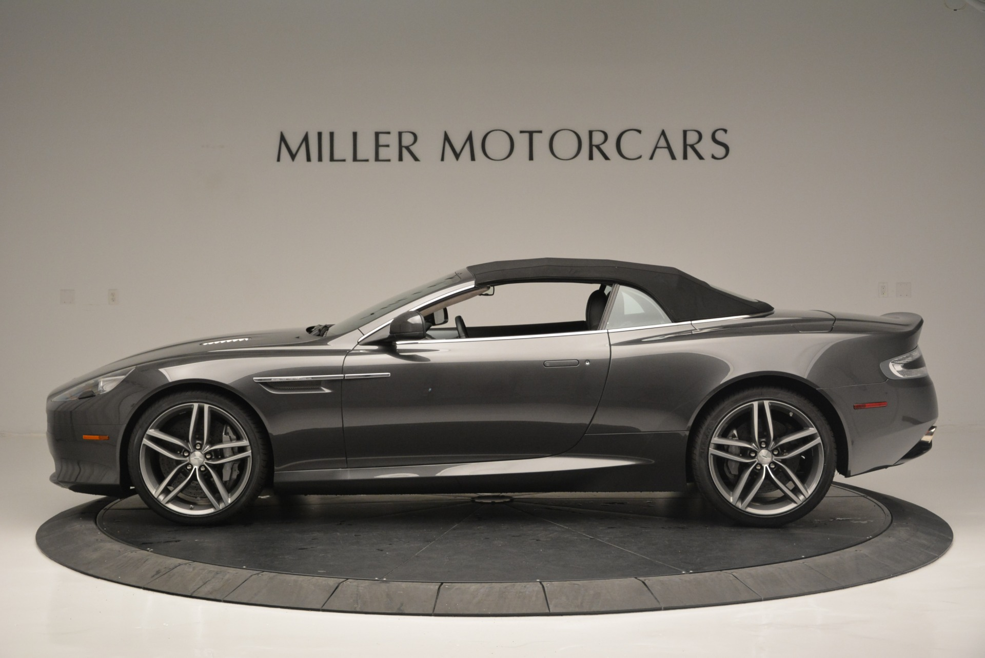 Used 2014 Aston Martin DB9 Volante For Sale In Westport, CT 2319_p15