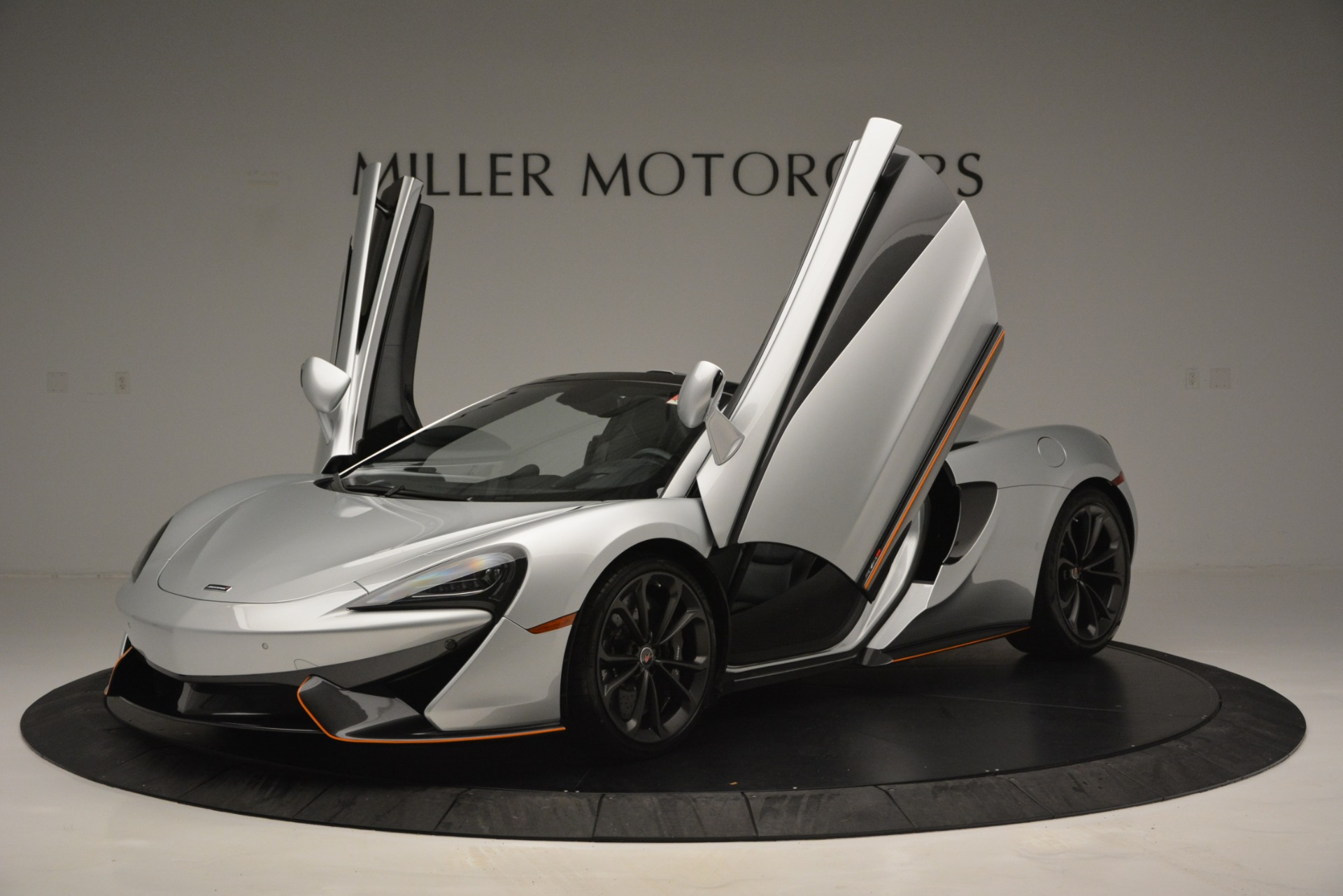 Used 2018 McLaren 570S Spider For Sale In Westport, CT 2340_p14