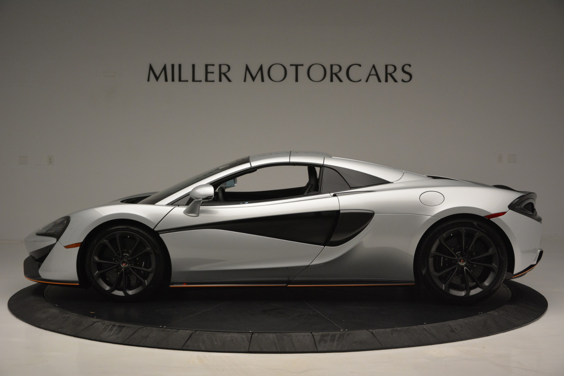 Used 2018 McLaren 570S Spider For Sale In Westport, CT 2340_p16