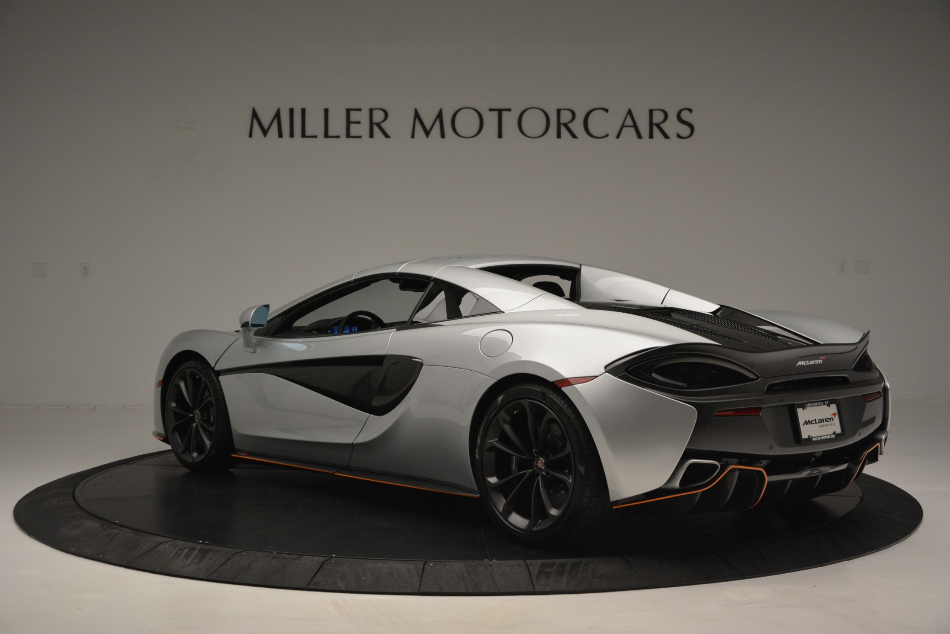 Used 2018 McLaren 570S Spider For Sale In Westport, CT 2340_p17