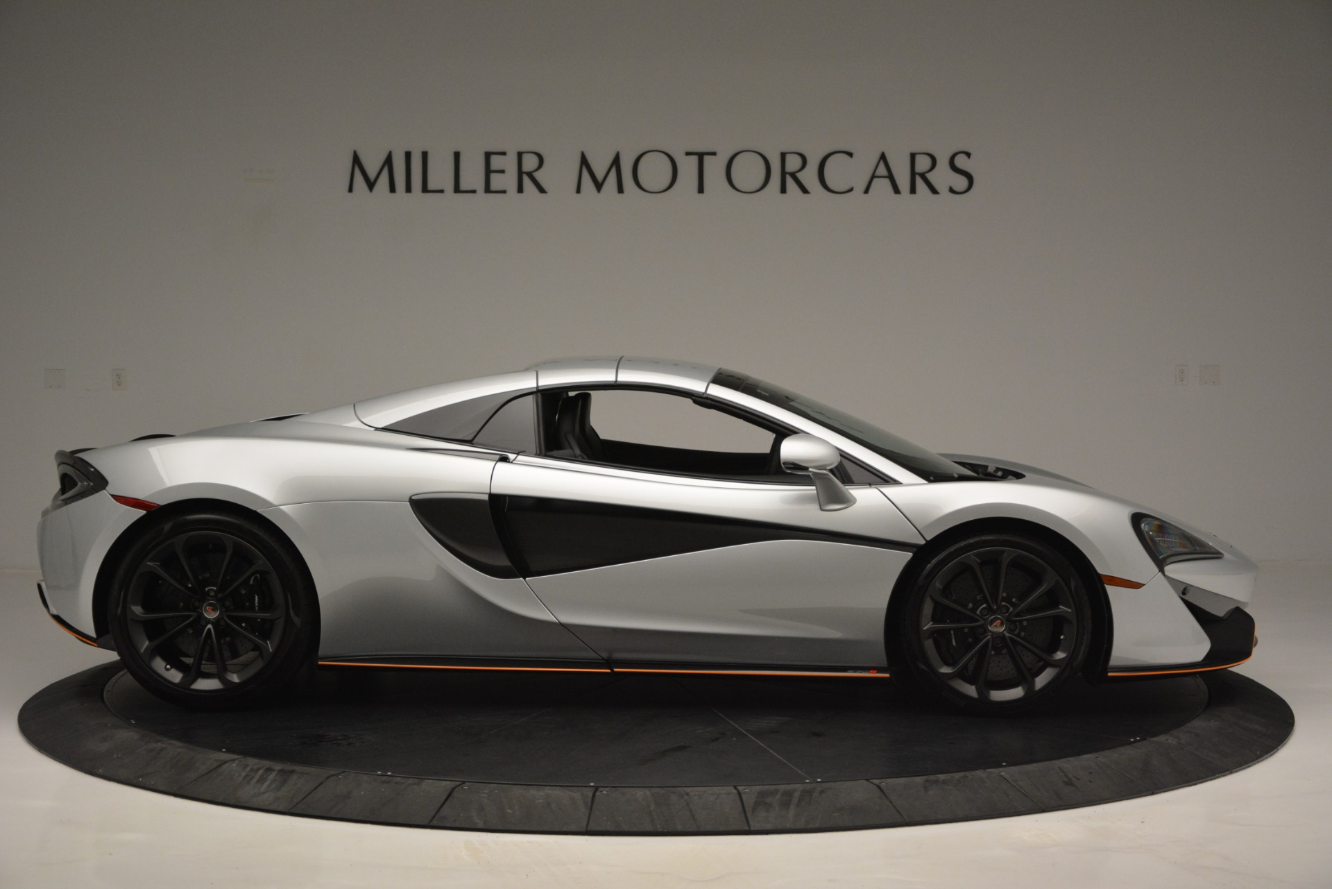 Used 2018 McLaren 570S Spider For Sale In Westport, CT 2340_p20
