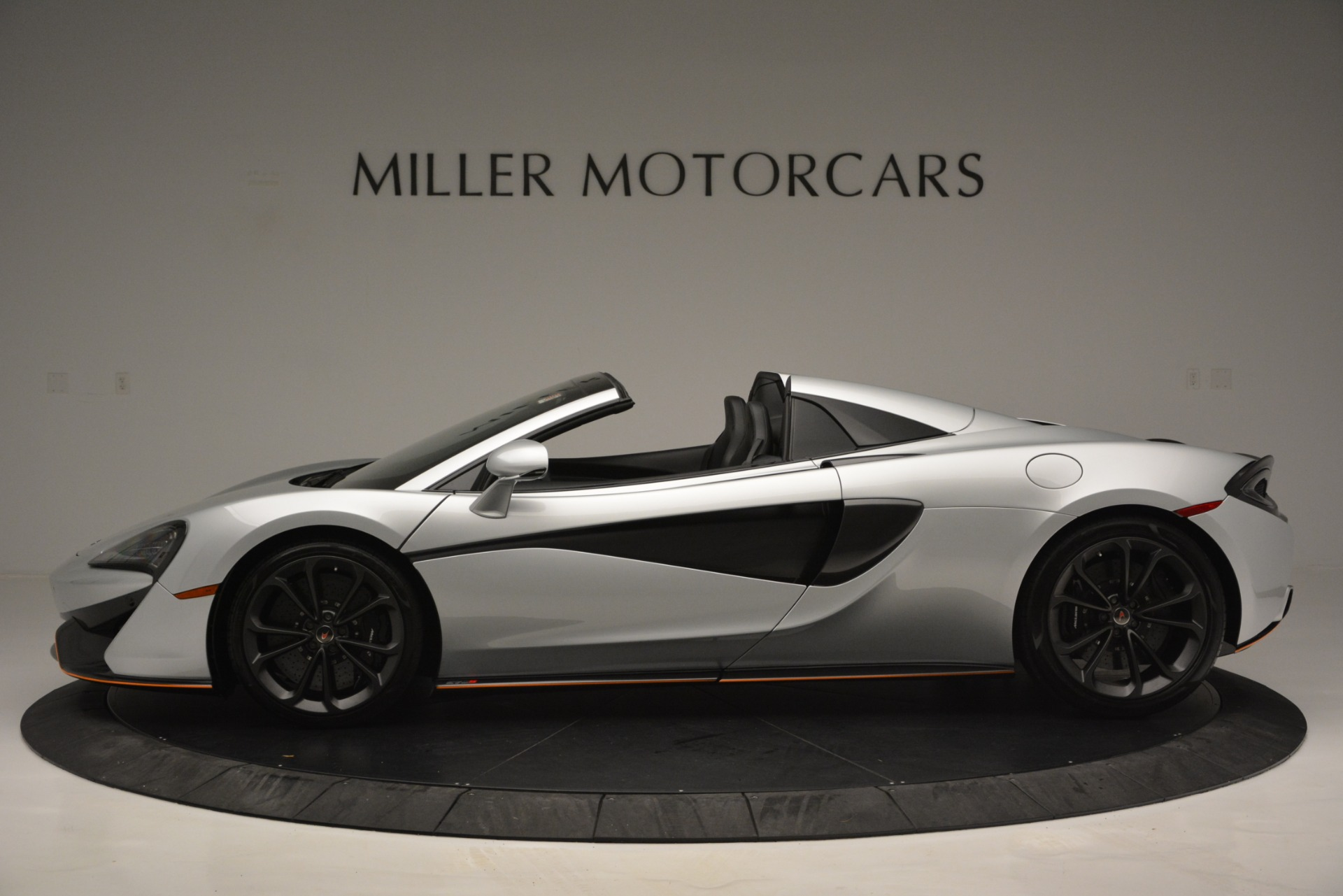 Used 2018 McLaren 570S Spider For Sale In Westport, CT 2340_p3