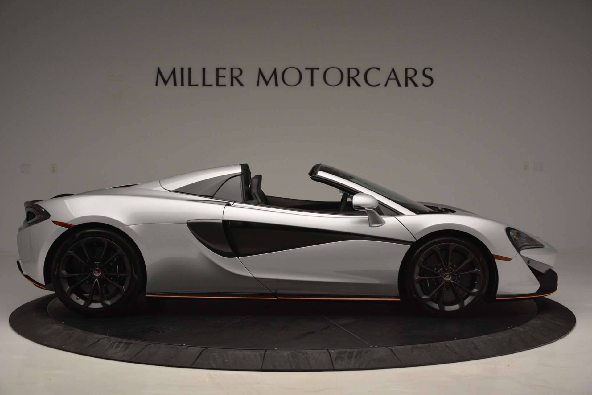Used 2018 McLaren 570S Spider For Sale In Westport, CT 2340_p9