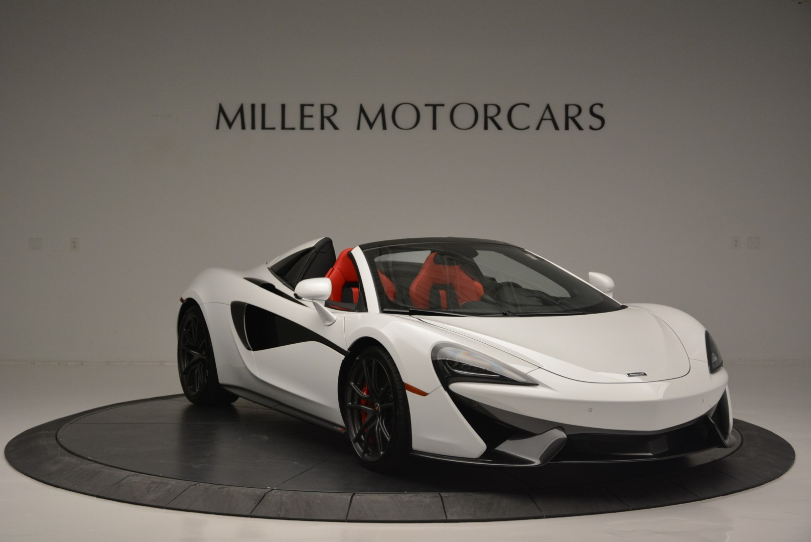 Used 2018 McLaren 570S Spider For Sale In Westport, CT 2341_p11