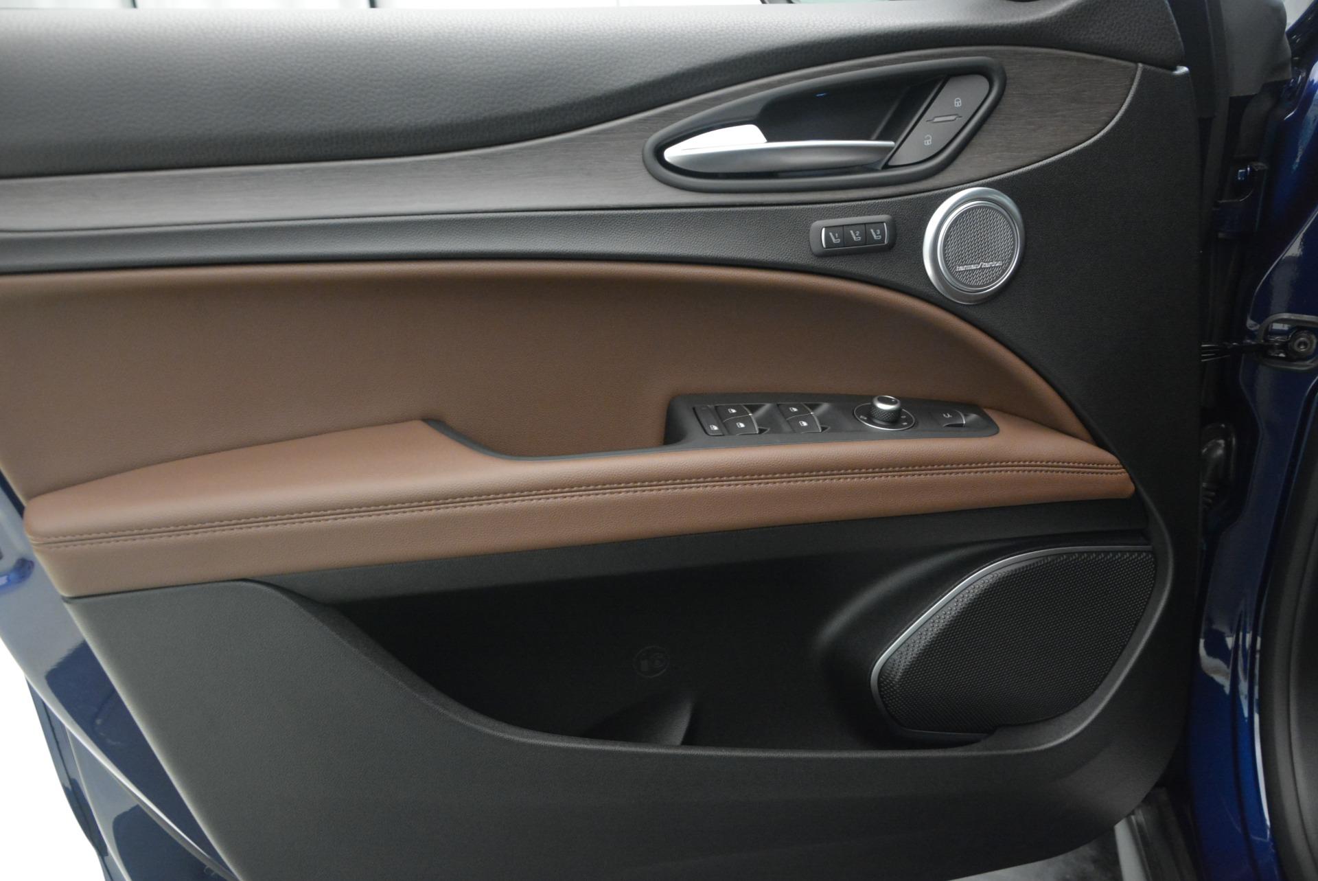 New 2018 Alfa Romeo Stelvio Ti Q4 For Sale In Westport, CT 2349_p19