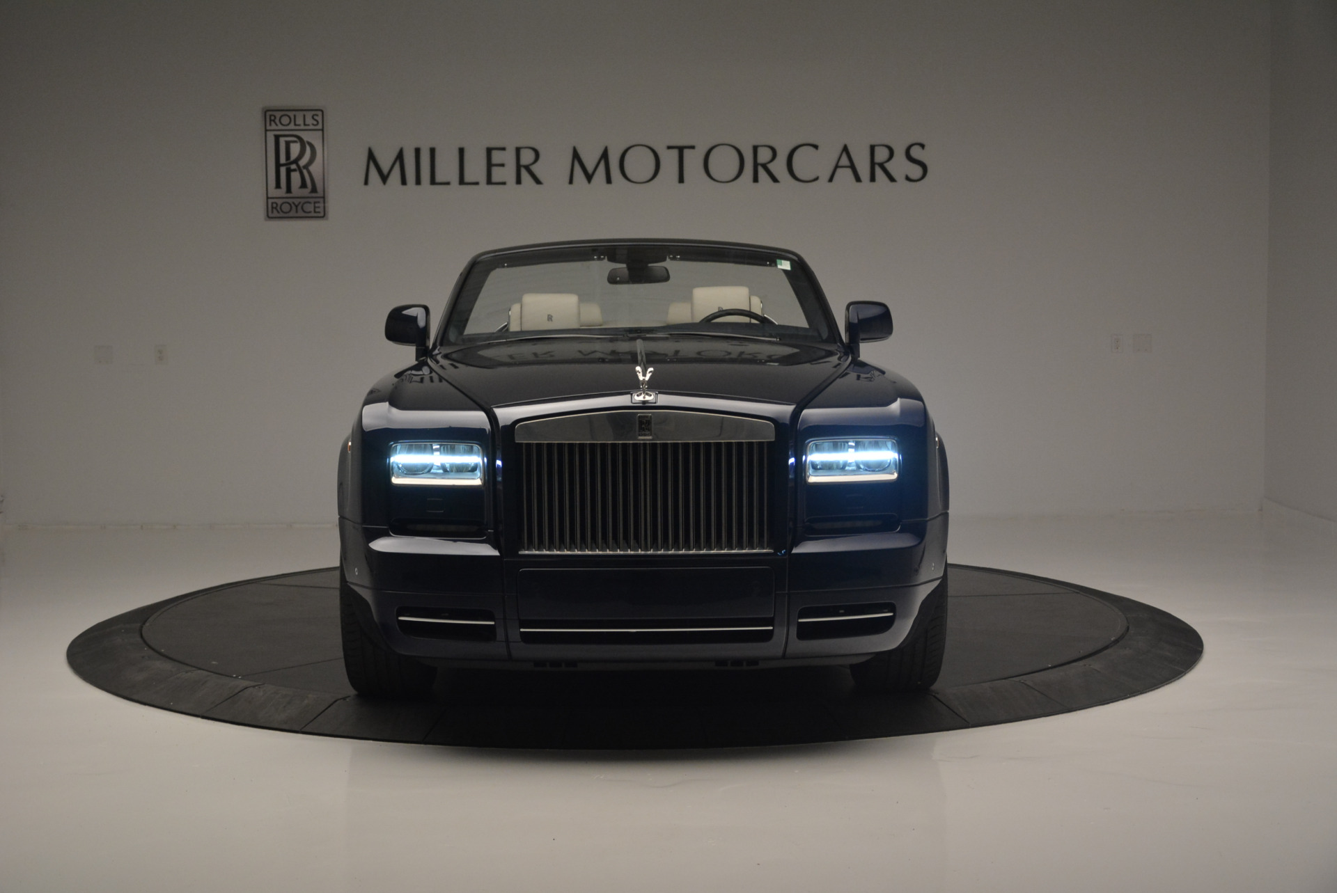 Used 2014 Rolls-Royce Phantom Drophead Coupe  For Sale In Westport, CT 2356_p8