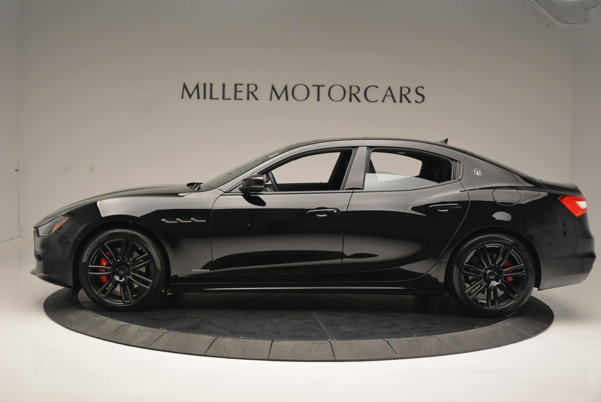 New 2018 Maserati Ghibli SQ4 GranSport Nerissimo For Sale In Westport, CT 2366_p3