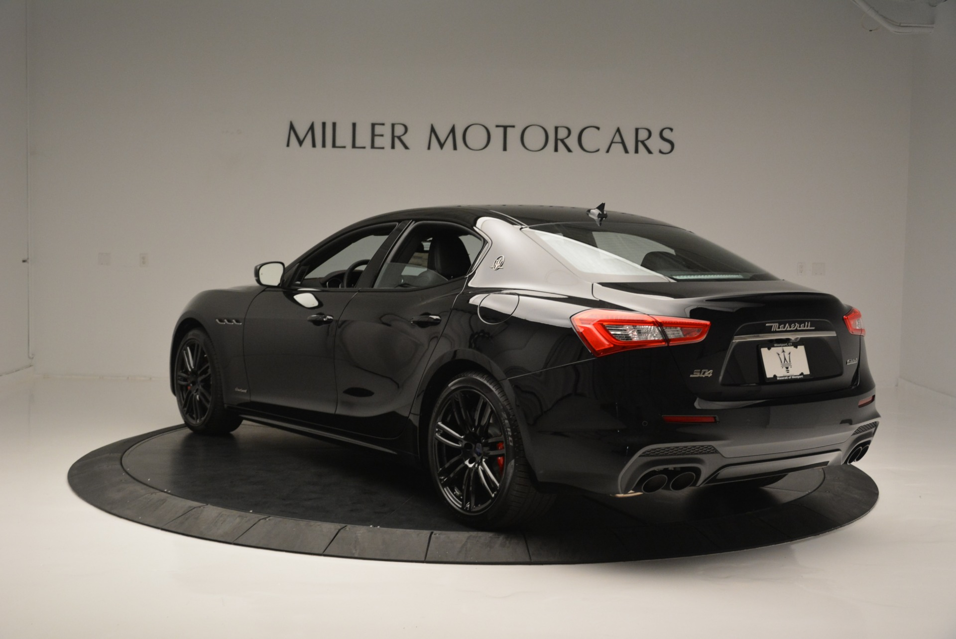 New 2018 Maserati Ghibli SQ4 GranSport Nerissimo For Sale In Westport, CT 2366_p5