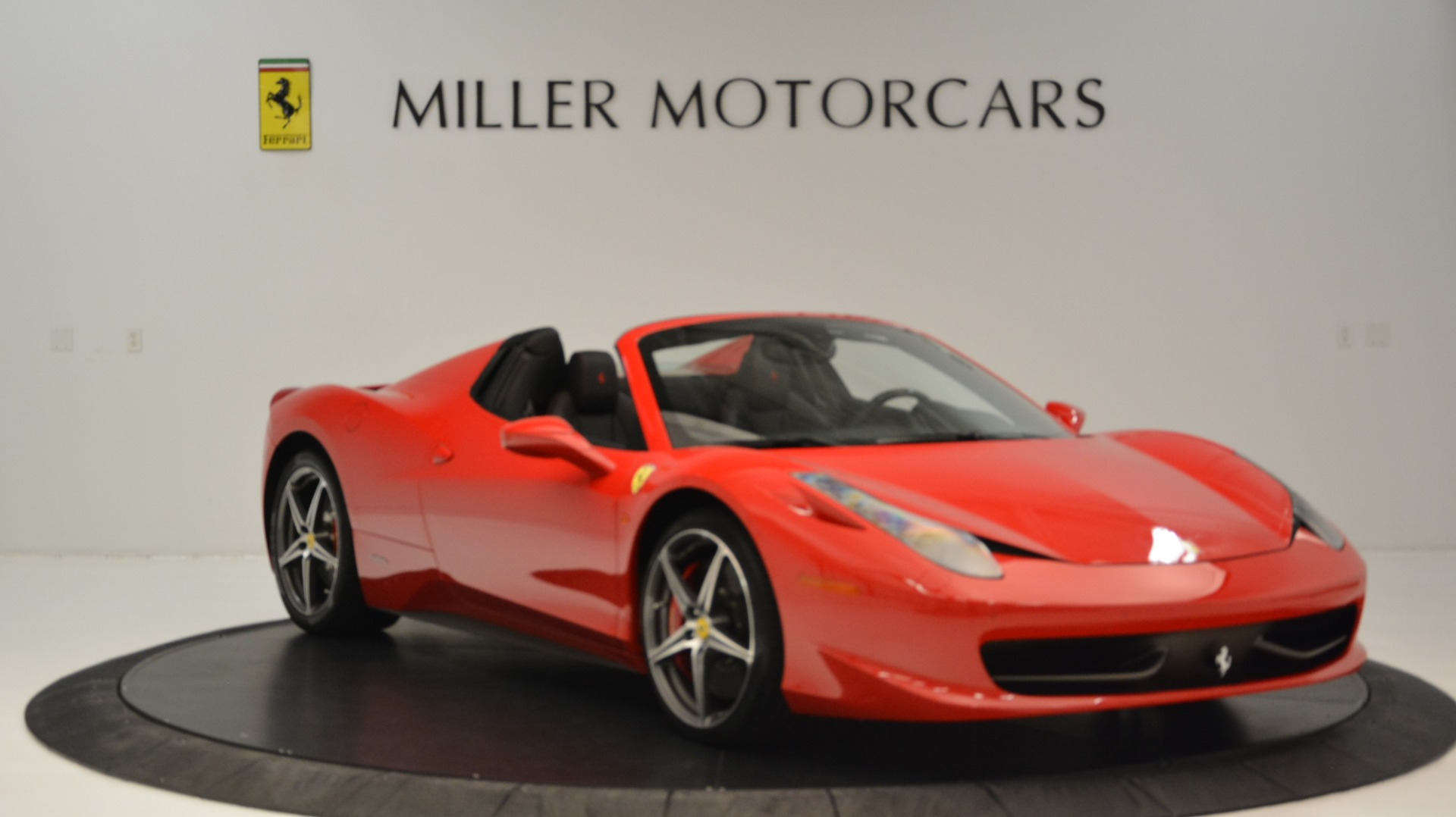 Used 2015 Ferrari 458 Spider  For Sale In Westport, CT 2369_p12