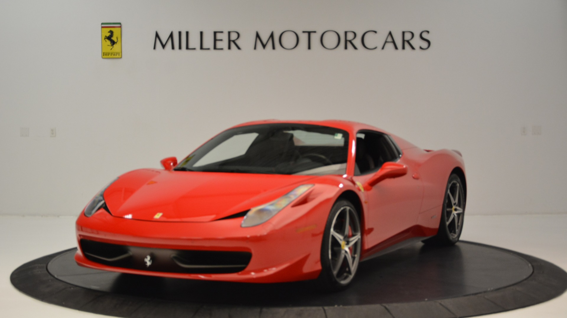Used 2015 Ferrari 458 Spider  For Sale In Westport, CT 2369_p14