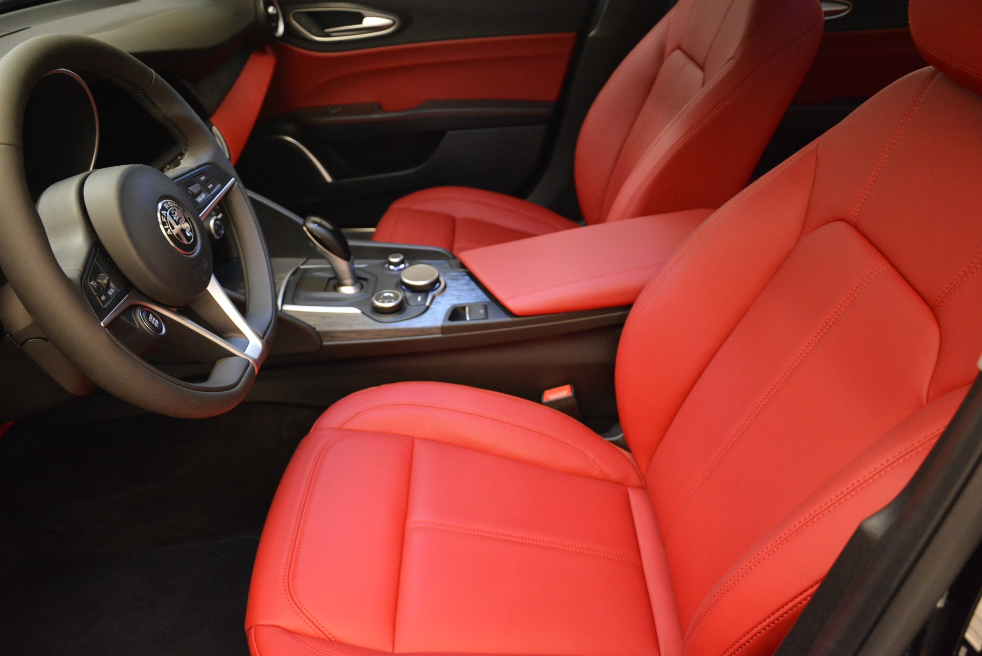 New 2018 Alfa Romeo Giulia Q4 For Sale In Westport, CT 2395_p14