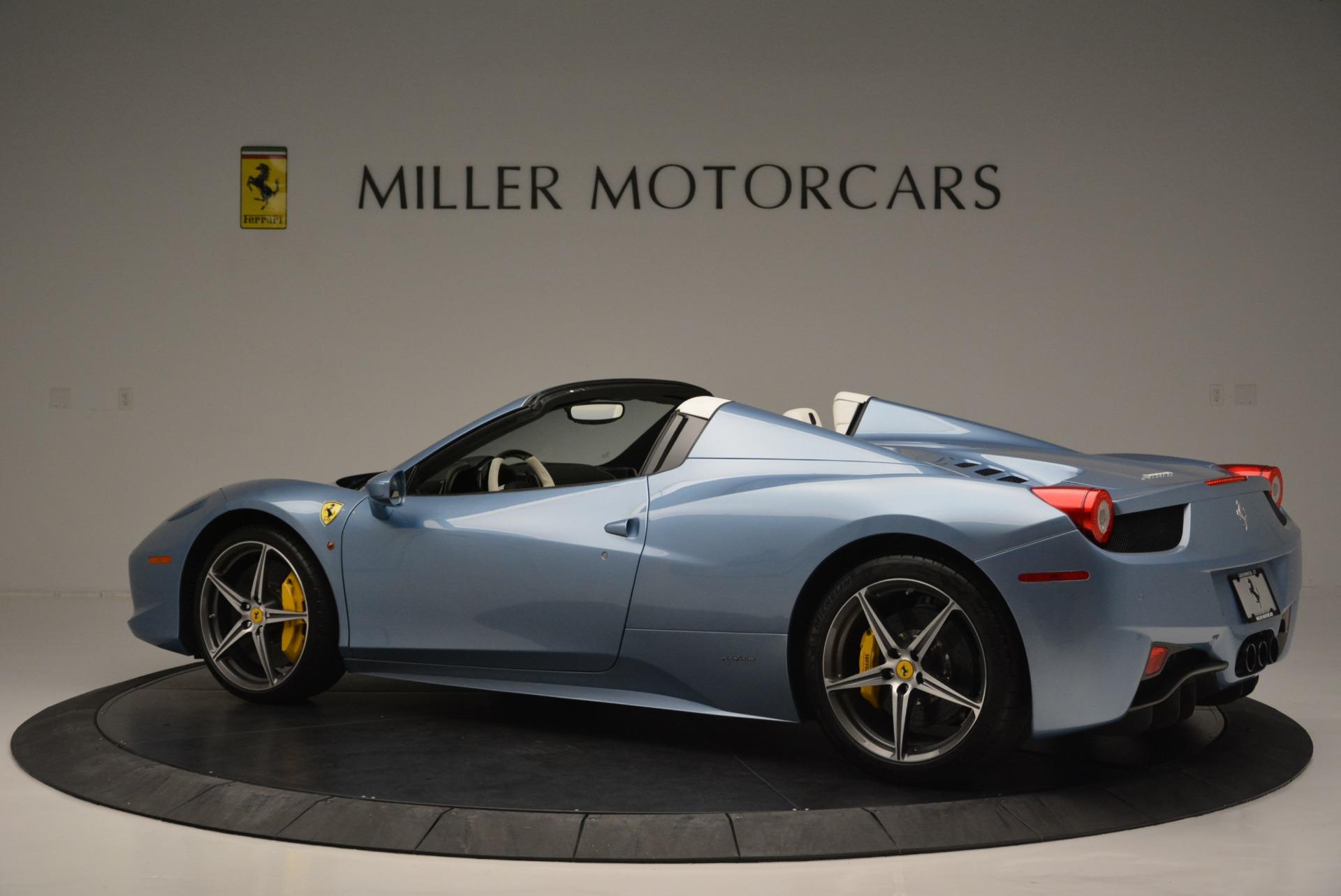 Used 2012 Ferrari 458 Spider  For Sale In Westport, CT 2413_p4
