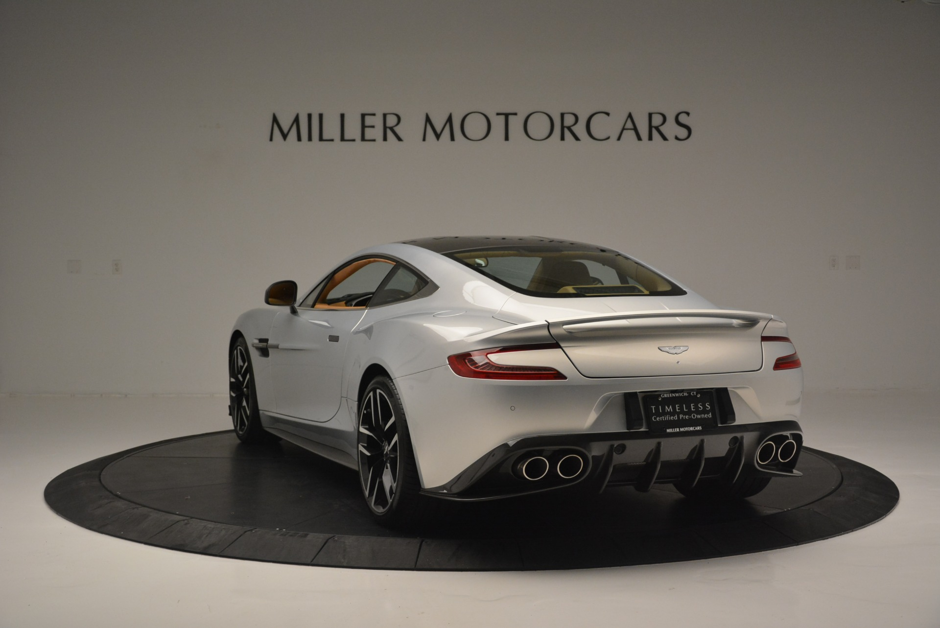 Used 2018 Aston Martin Vanquish S Coupe For Sale In Westport, CT 2421_p5