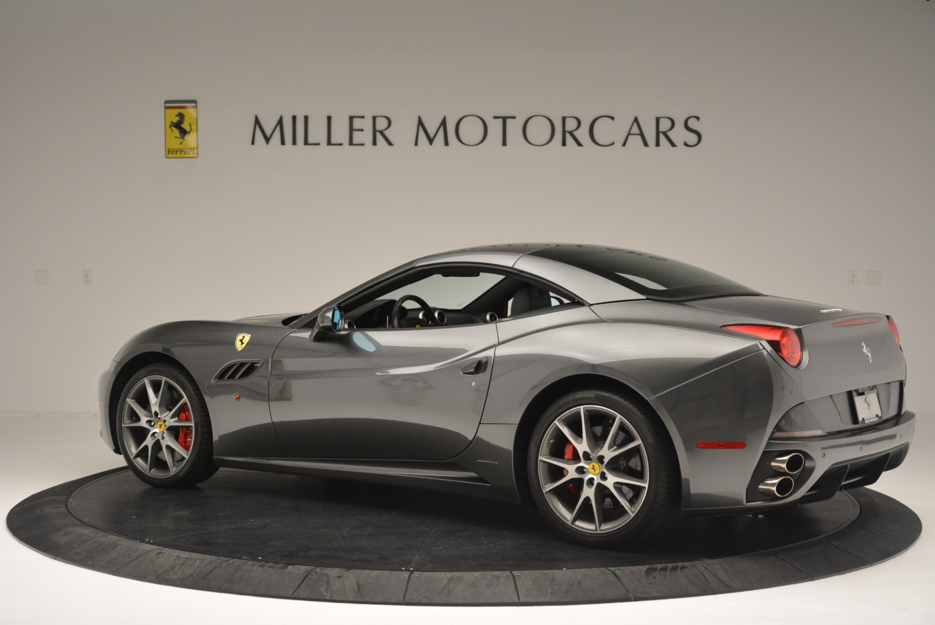 Used 2010 Ferrari California  For Sale In Westport, CT 2424_p16