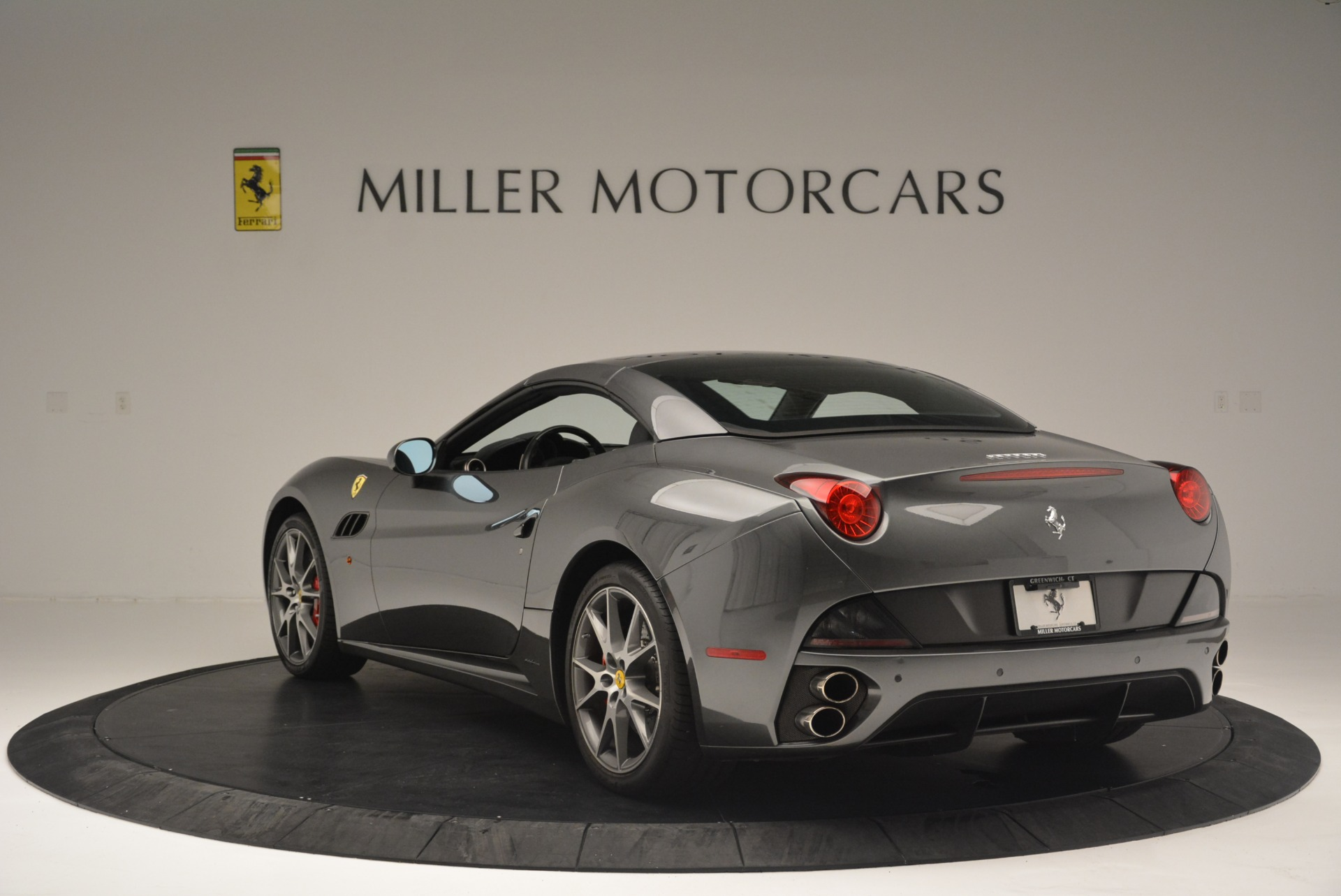 Used 2010 Ferrari California  For Sale In Westport, CT 2424_p17