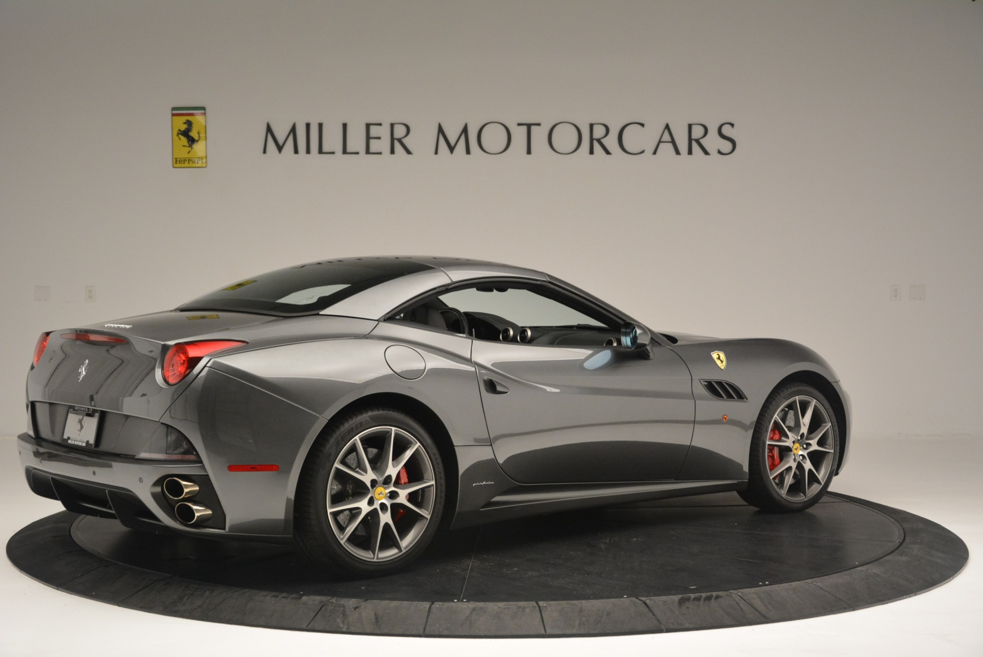 Used 2010 Ferrari California  For Sale In Westport, CT 2424_p20