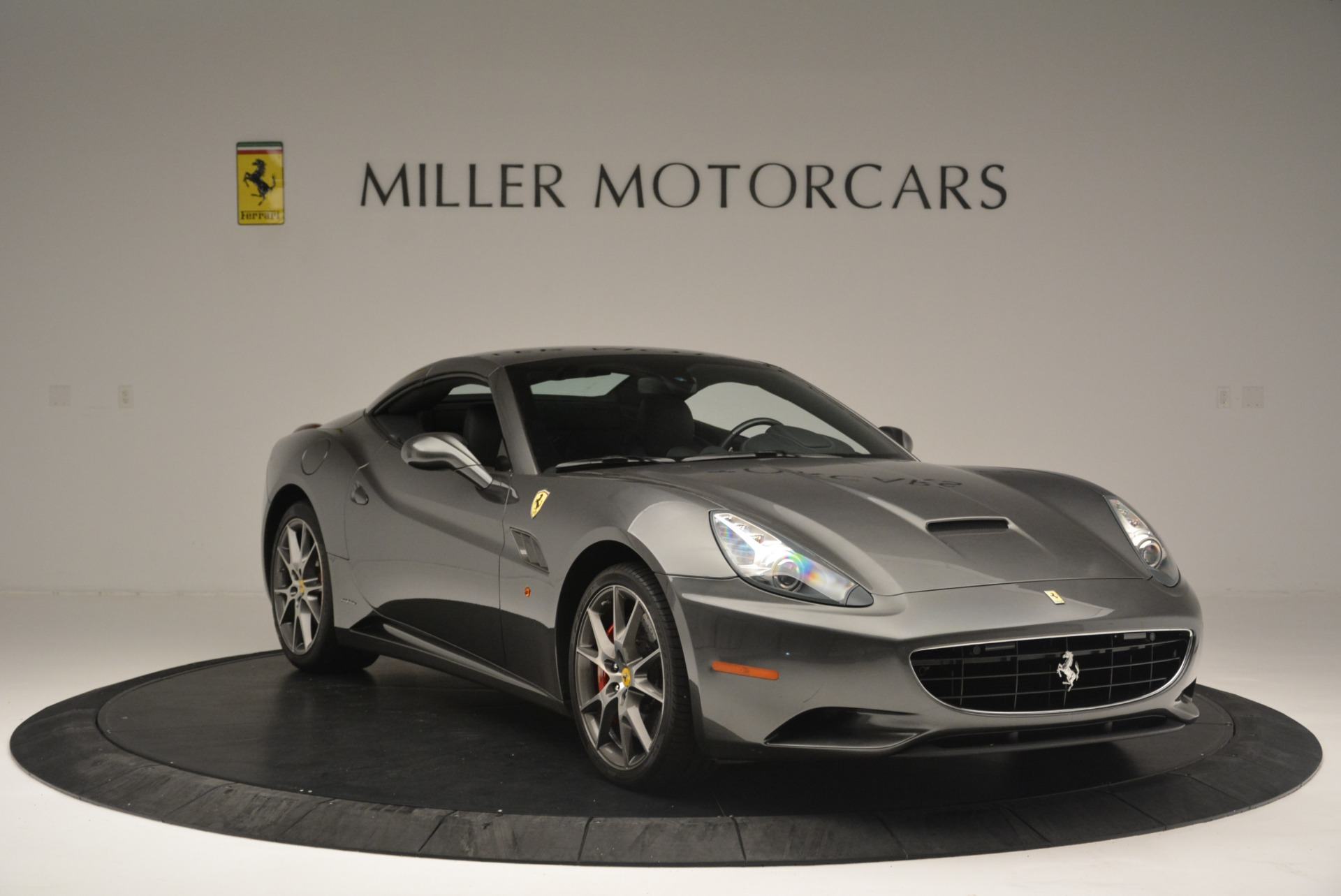 Used 2010 Ferrari California  For Sale In Westport, CT 2424_p23