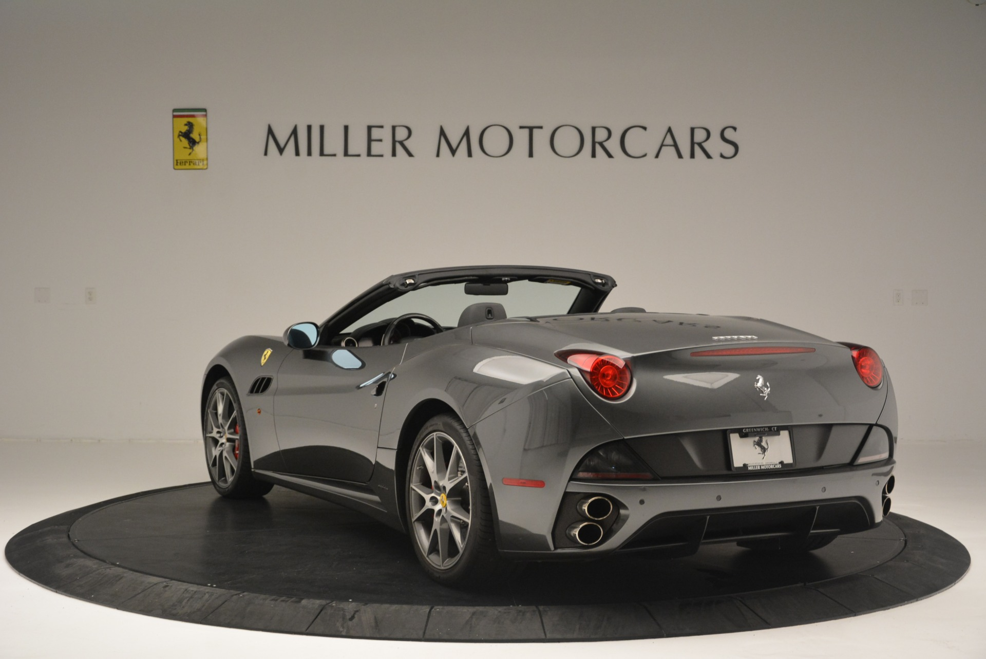 Used 2010 Ferrari California  For Sale In Westport, CT 2424_p5