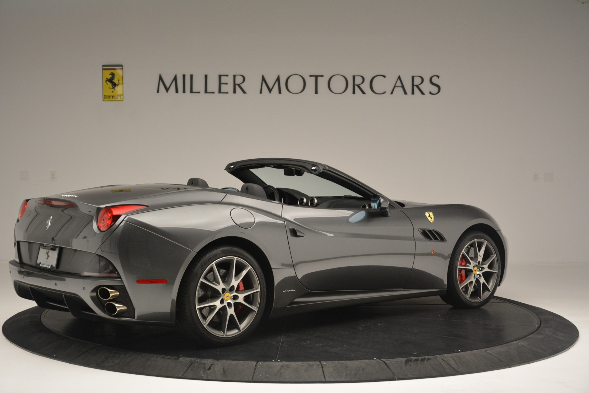 Used 2010 Ferrari California  For Sale In Westport, CT 2424_p8