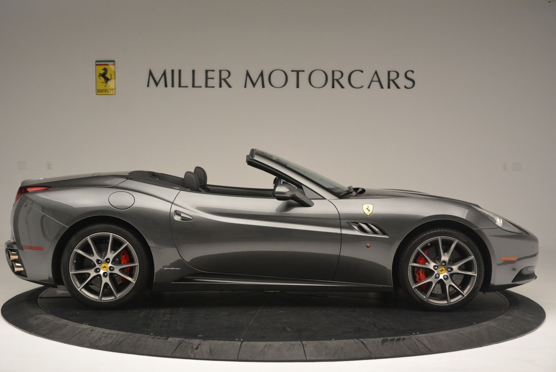 Used 2010 Ferrari California  For Sale In Westport, CT 2424_p9