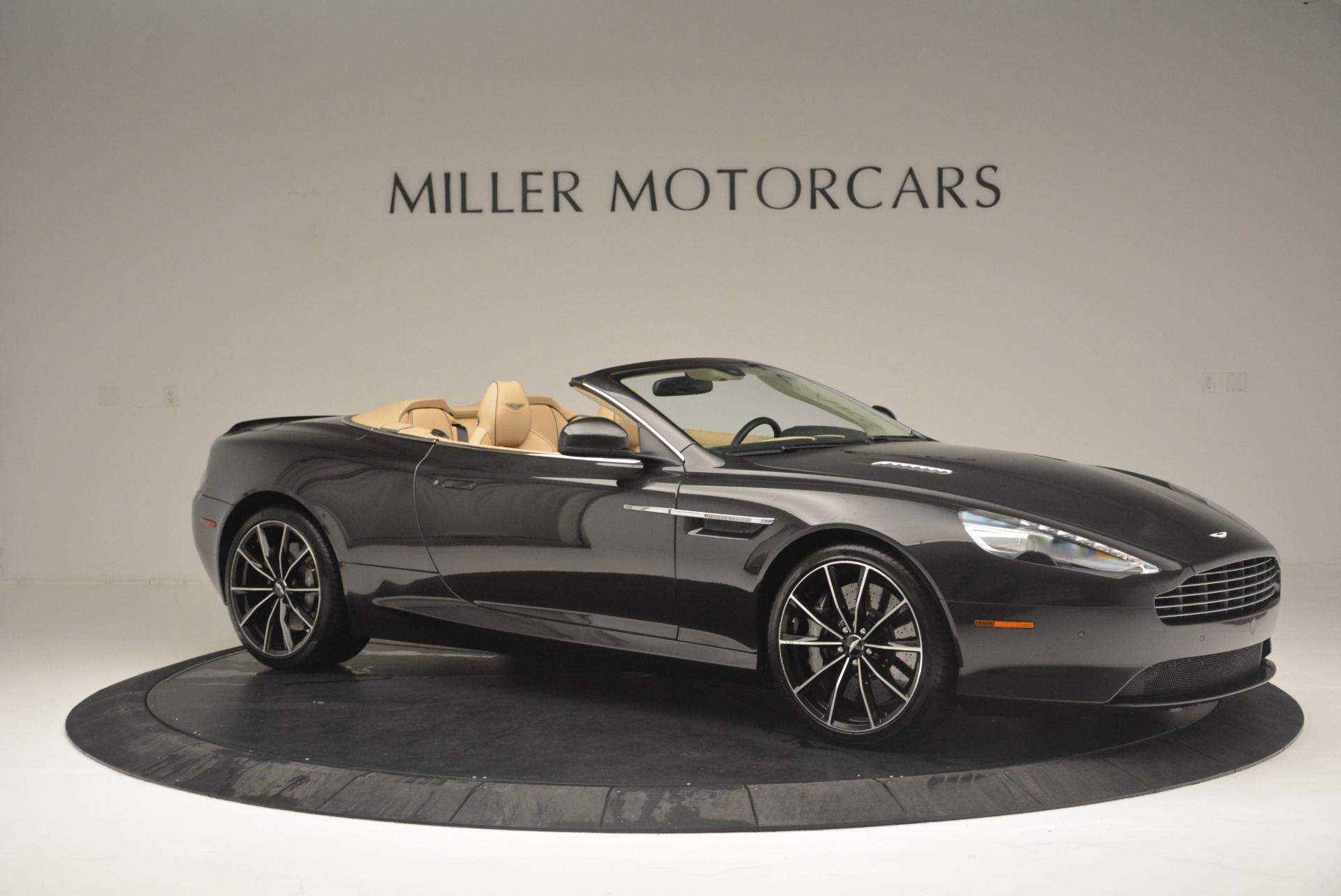 Used 2016 Aston Martin DB9 GT Volante For Sale In Westport, CT 2429_p10