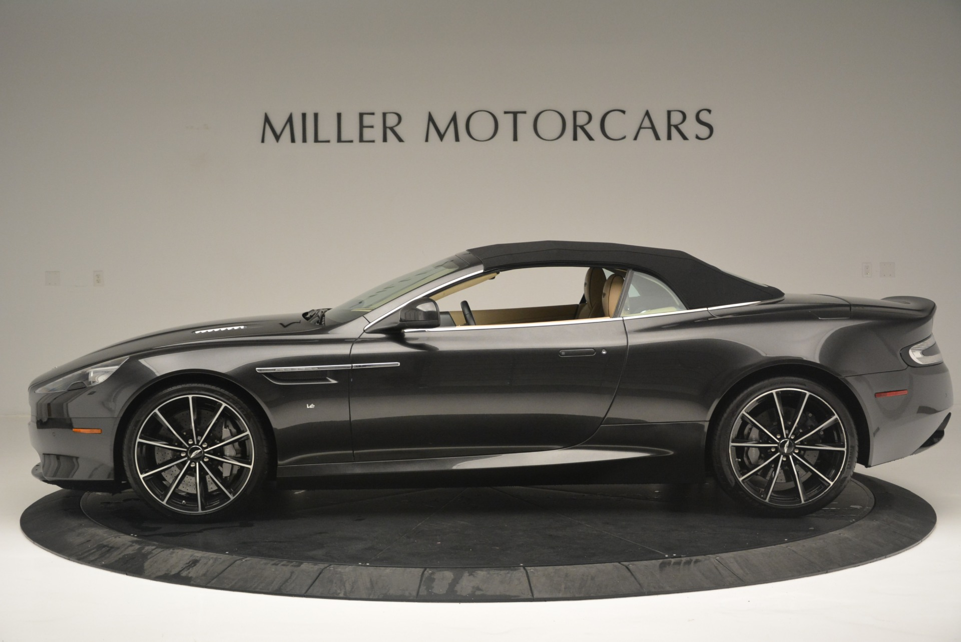 Used 2016 Aston Martin DB9 GT Volante For Sale In Westport, CT 2429_p15