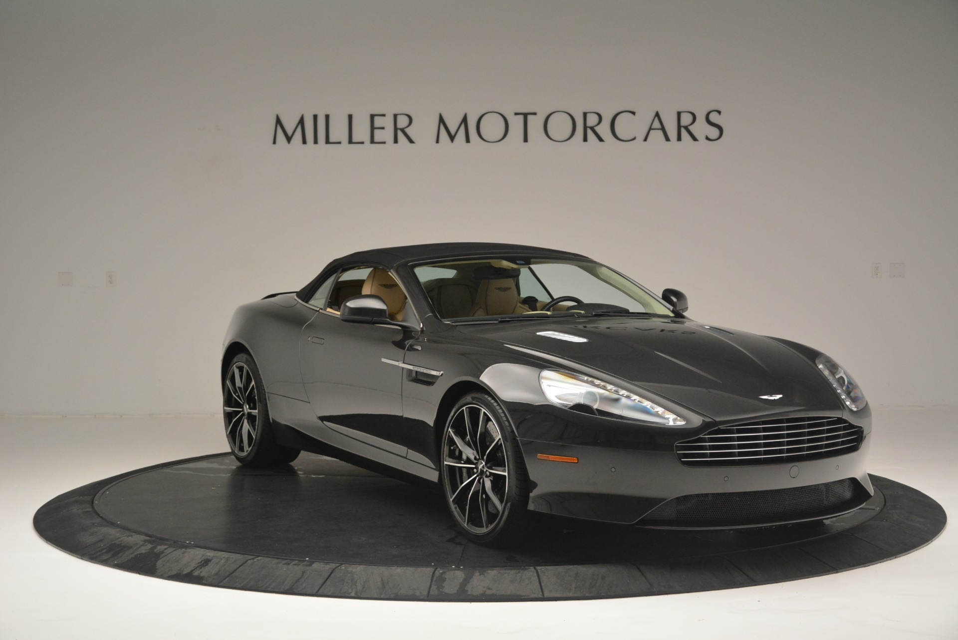 Used 2016 Aston Martin DB9 GT Volante For Sale In Westport, CT 2429_p23