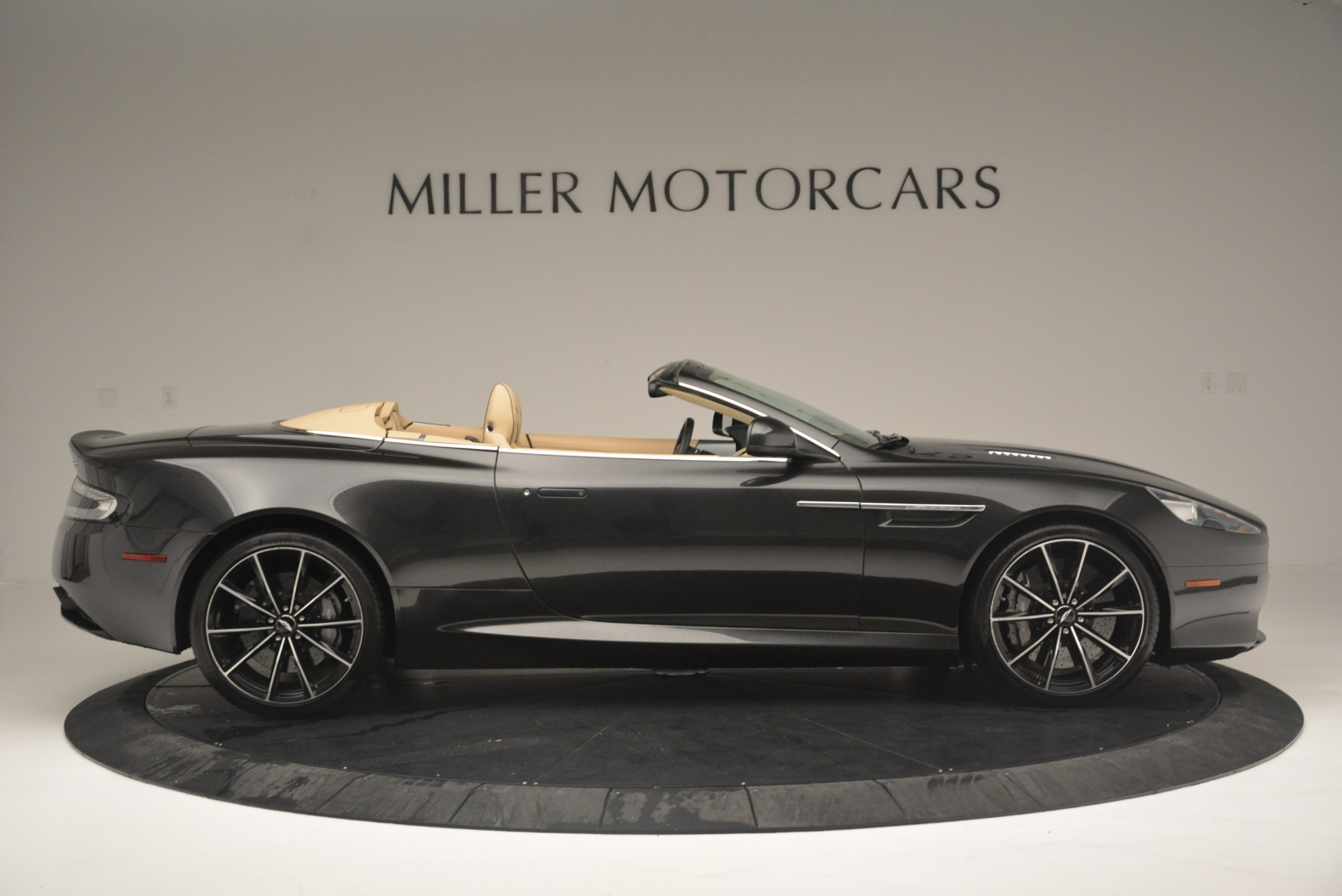 Used 2016 Aston Martin DB9 GT Volante For Sale In Westport, CT 2429_p9