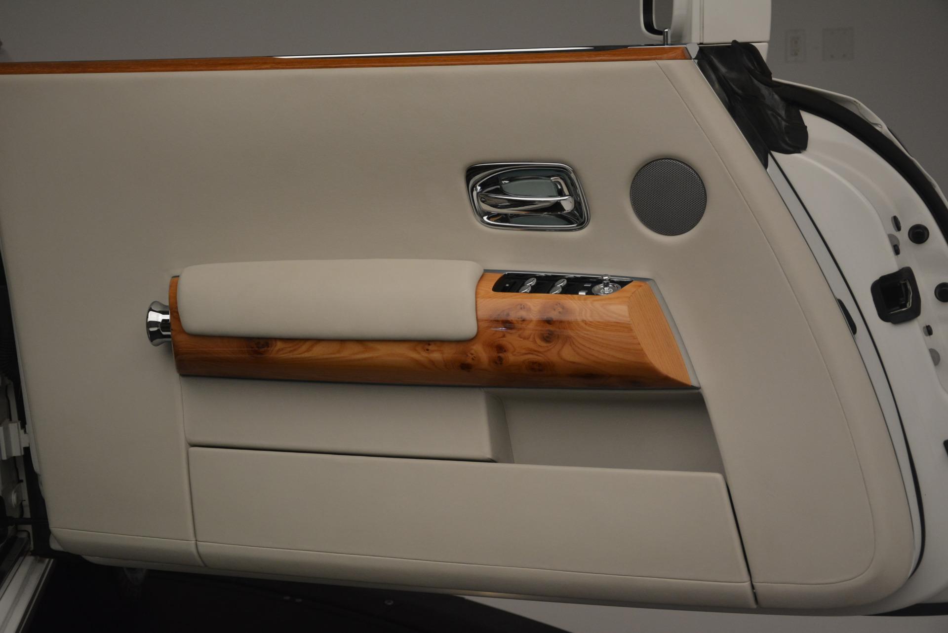 Used 2013 Rolls-Royce Phantom Drophead Coupe  For Sale In Westport, CT 2444_p19