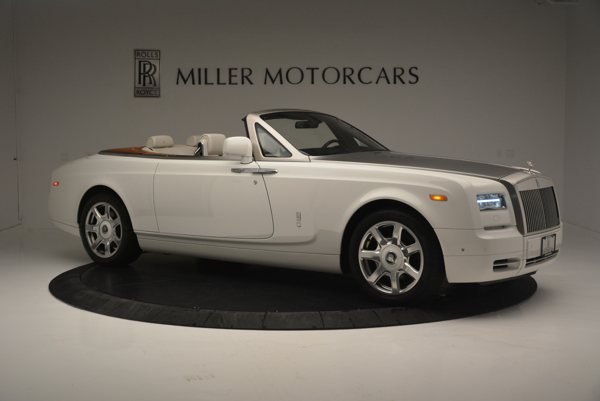 Used 2013 Rolls-Royce Phantom Drophead Coupe  For Sale In Westport, CT 2444_p7