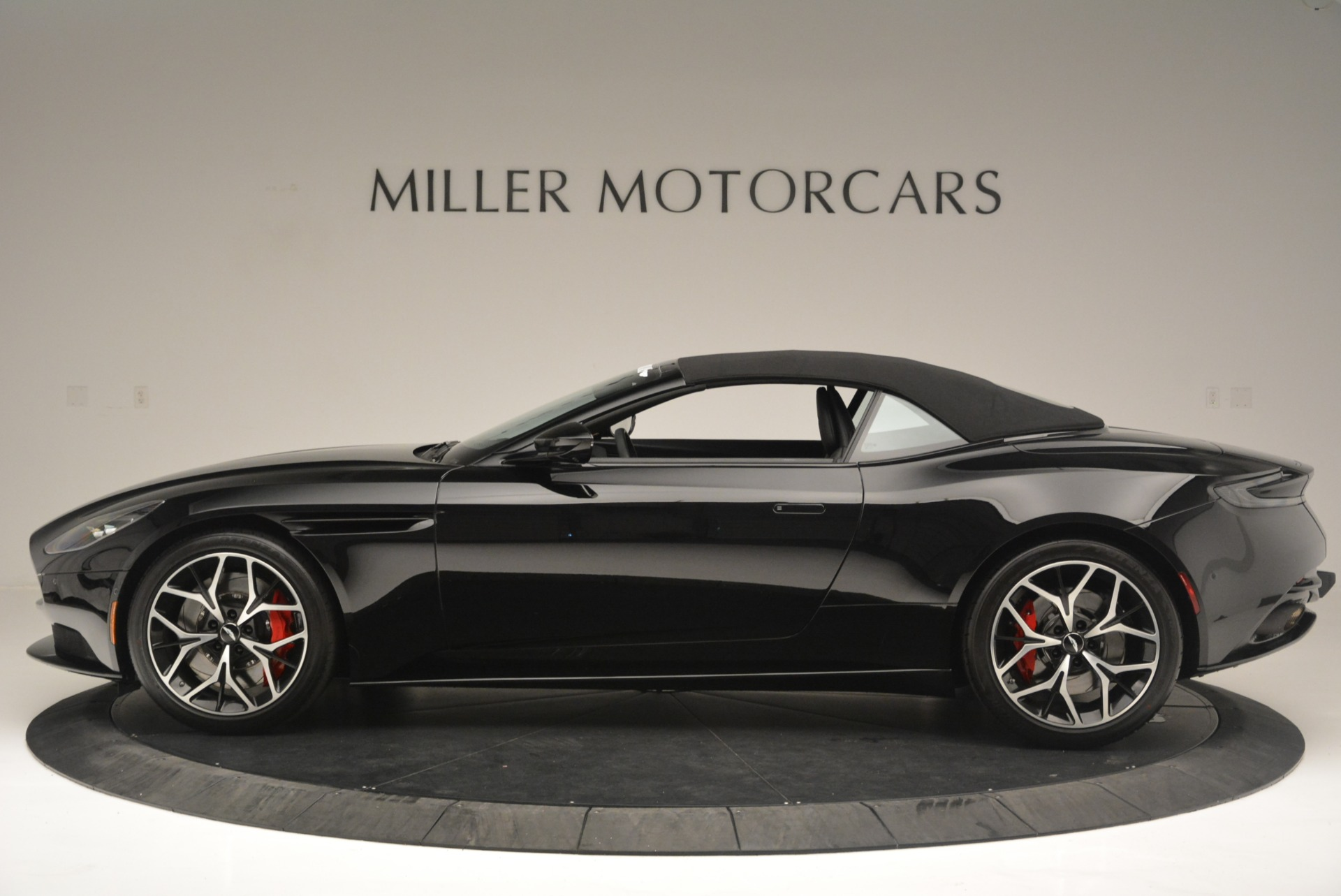 New 2019 Aston Martin DB11 V8 Convertible For Sale In Westport, CT 2446_p15