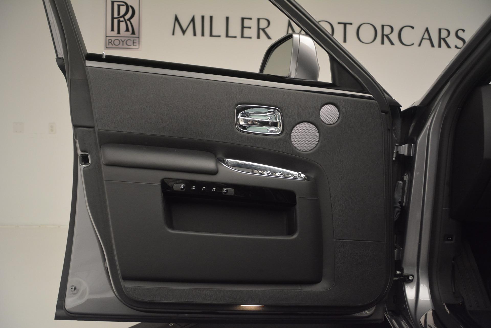 Used 2012 Rolls-Royce Ghost  For Sale In Westport, CT 2447_p11
