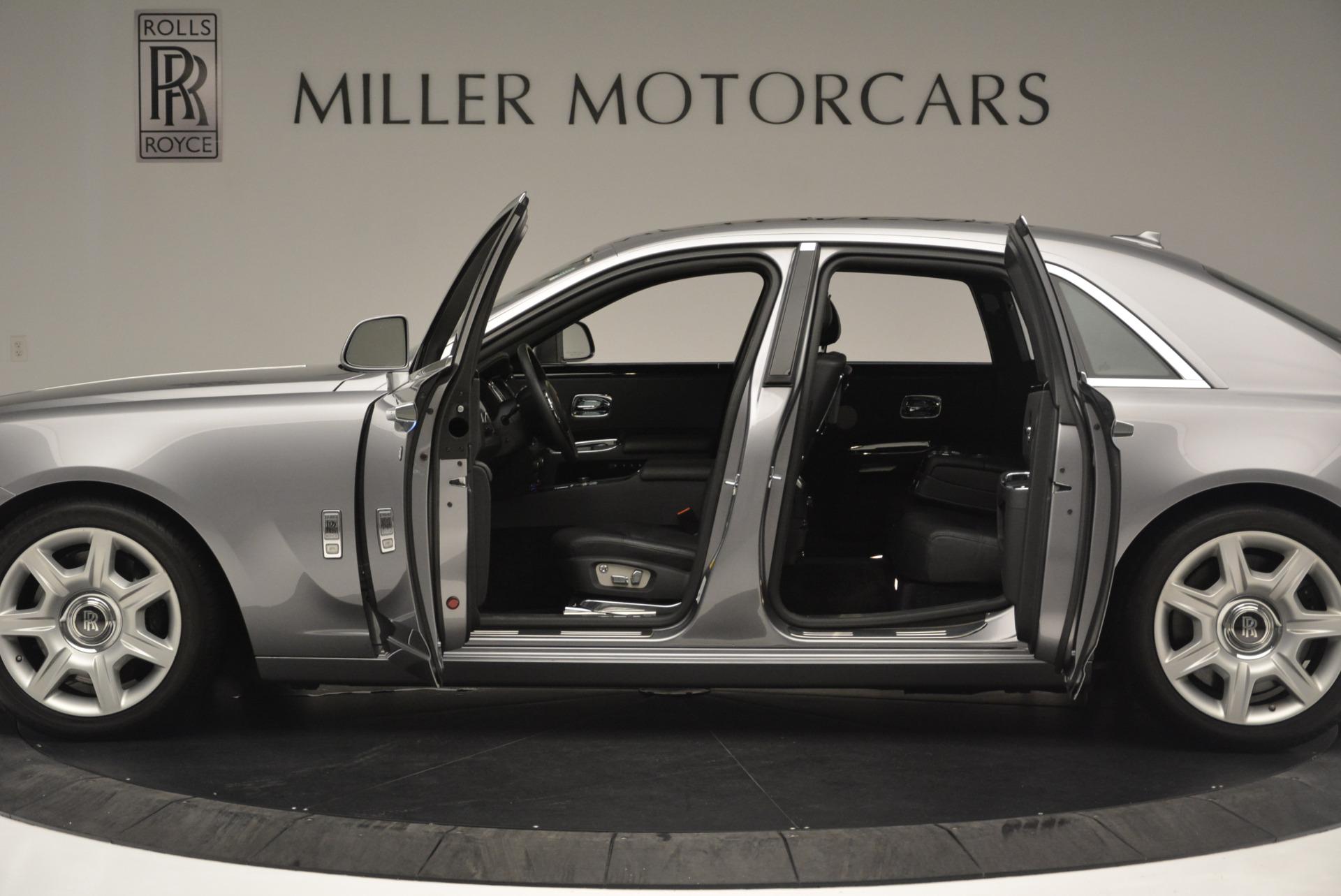 Used 2012 Rolls-Royce Ghost  For Sale In Westport, CT 2447_p3