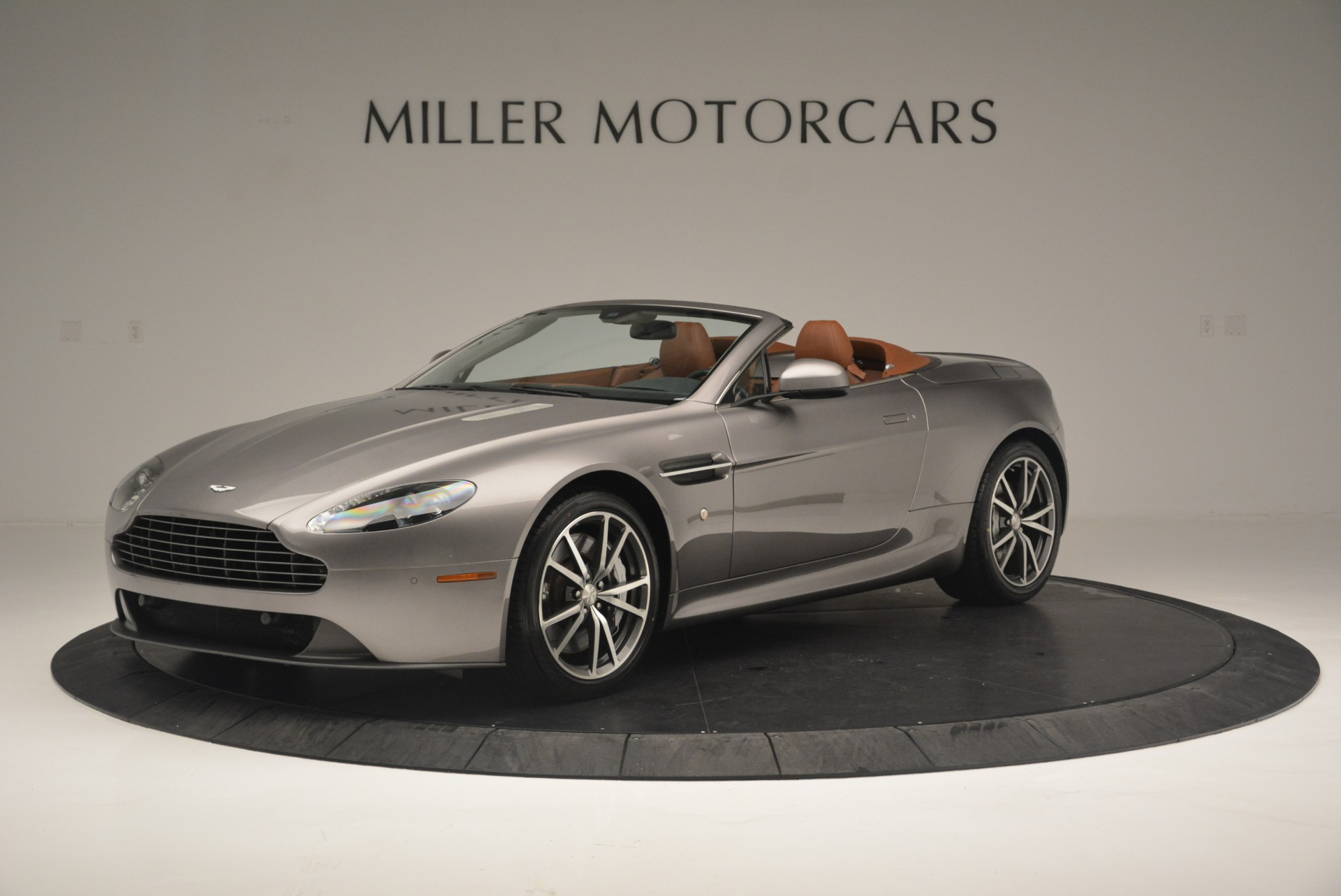 Used 2015 Aston Martin V8 Vantage Roadster For Sale In Westport, CT 2463_main
