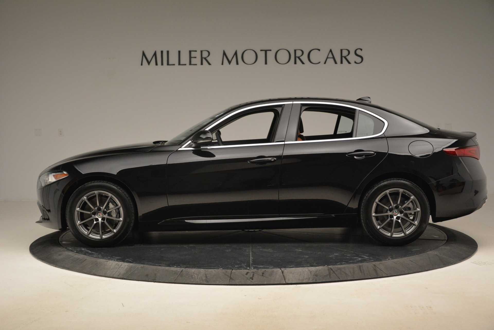 New 2018 Alfa Romeo Giulia Q4 For Sale In Westport, CT 2476_p3