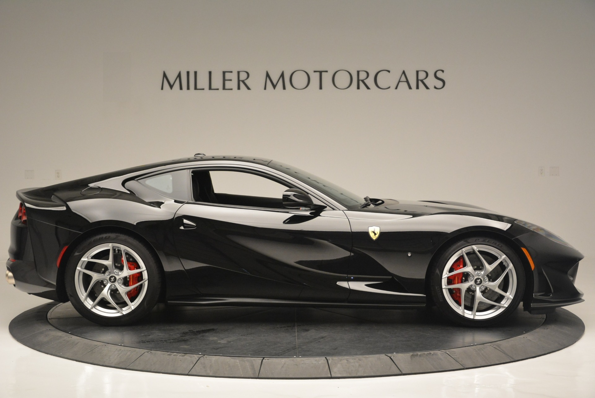 Used 2018 Ferrari 812 Superfast  For Sale In Westport, CT 2511_p9