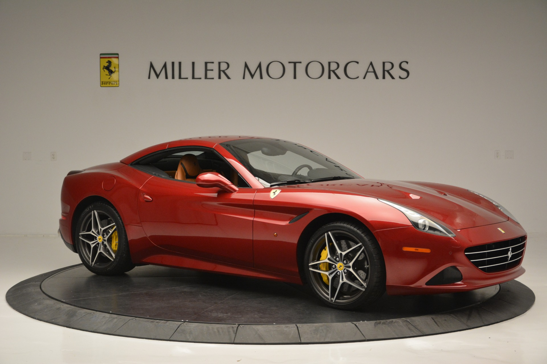 Used 2016 Ferrari California T  For Sale In Westport, CT 2534_p22