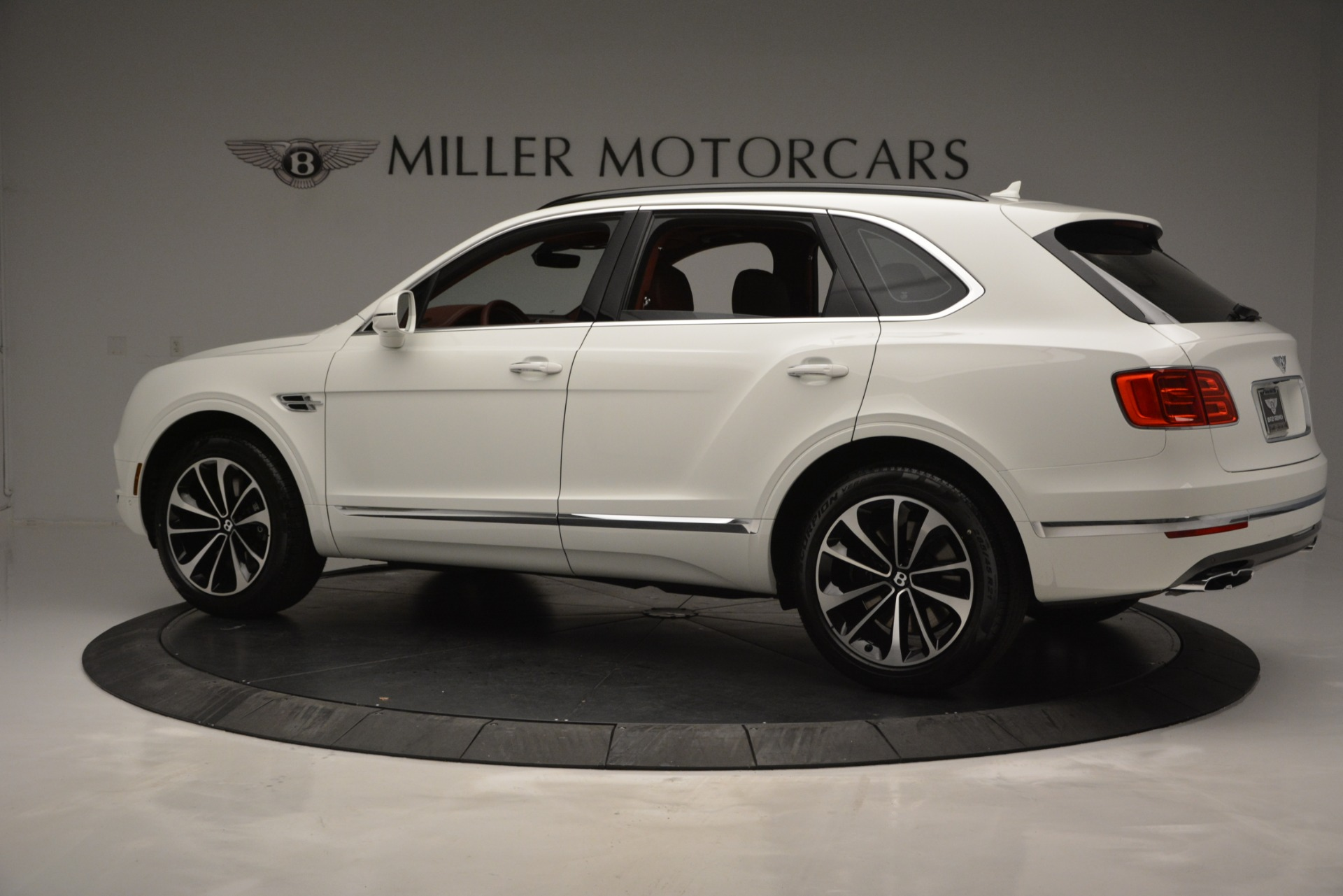New 2019 Bentley Bentayga V8 For Sale In Westport, CT 2535_p4