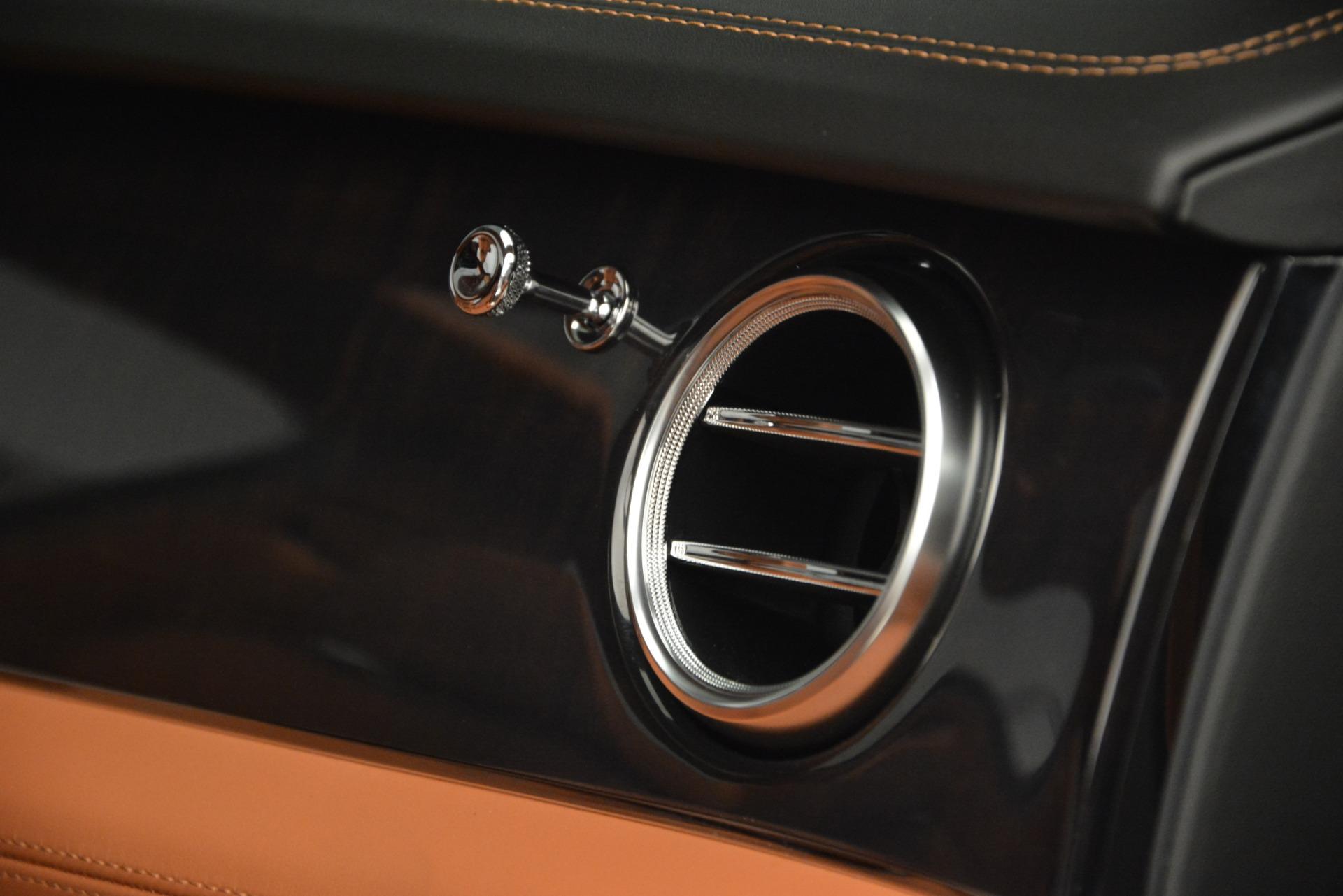 New 2019 Bentley Bentayga V8 For Sale In Westport, CT 2537_p21