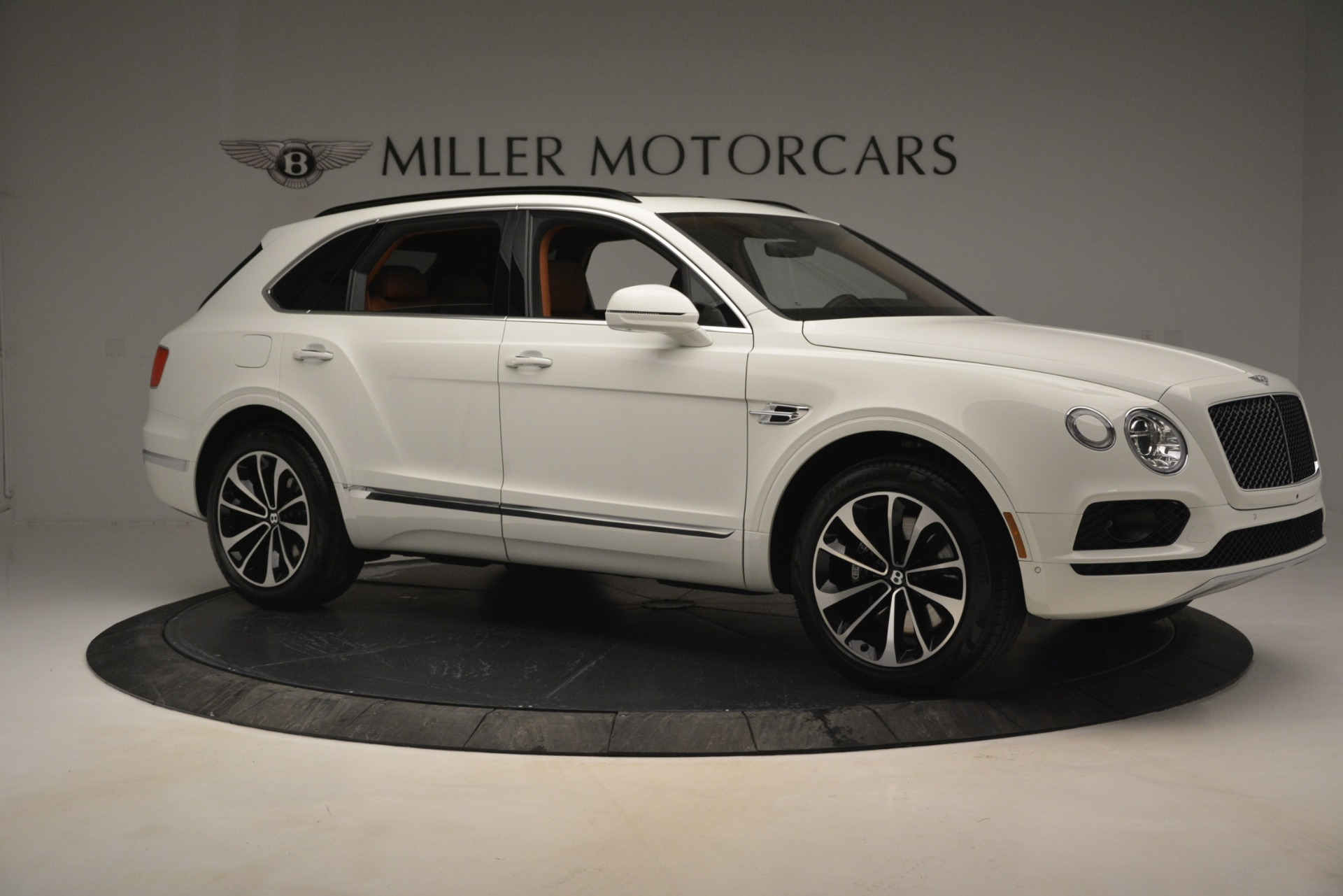 New 2019 Bentley Bentayga V8 For Sale In Westport, CT 2539_p10