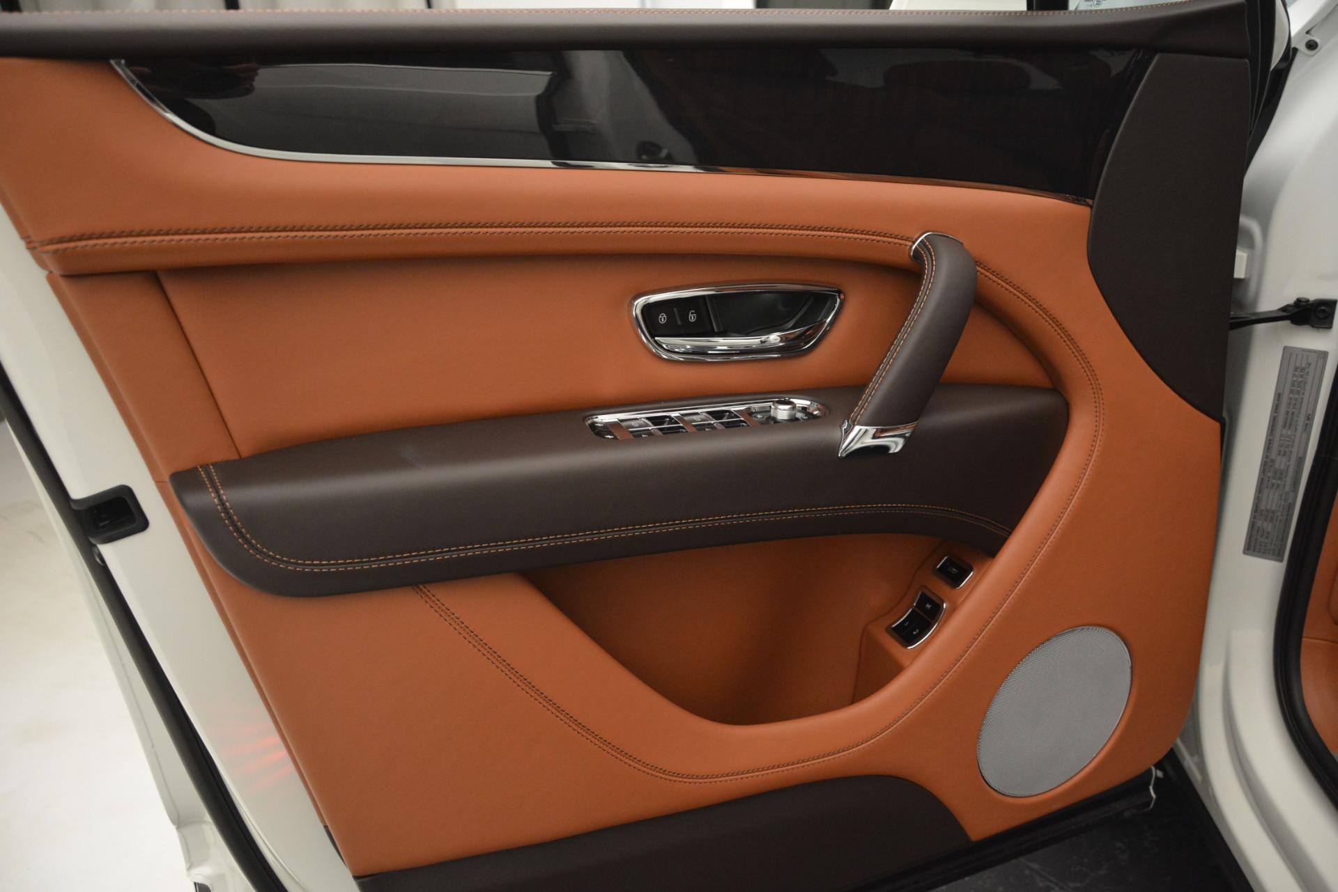 New 2019 Bentley Bentayga V8 For Sale In Westport, CT 2539_p17
