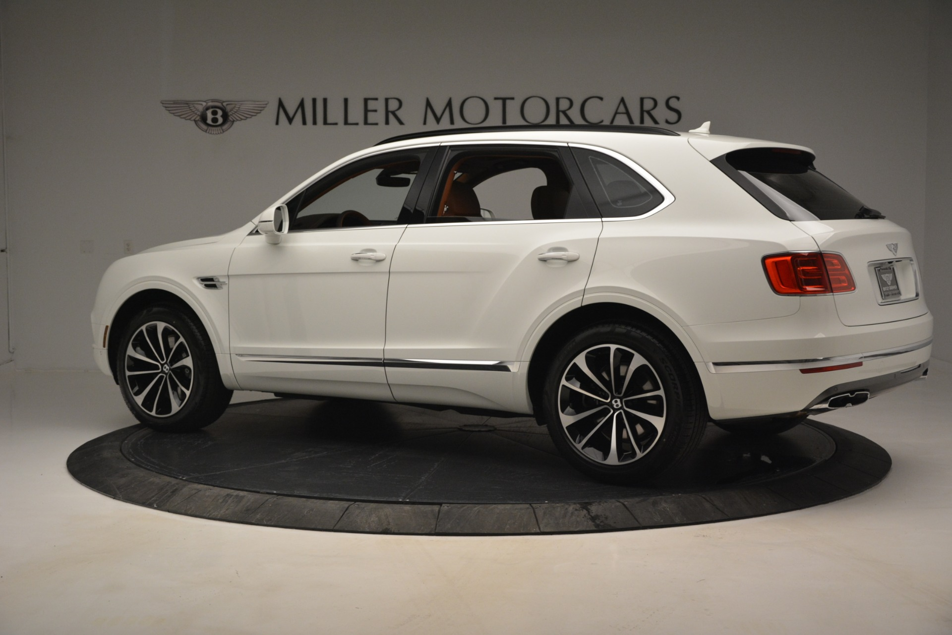 New 2019 Bentley Bentayga V8 For Sale In Westport, CT 2539_p4