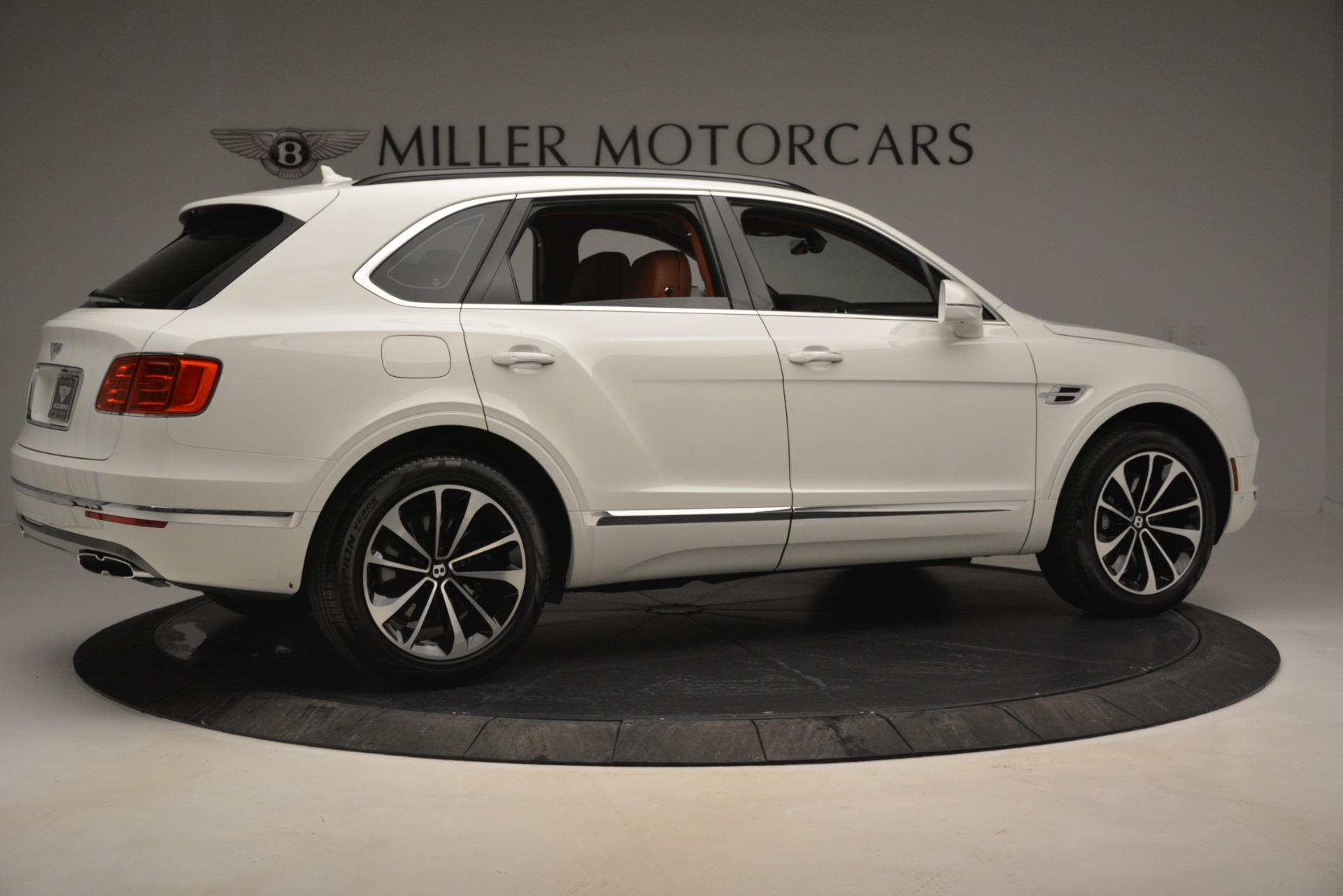 New 2019 Bentley Bentayga V8 For Sale In Westport, CT 2539_p8