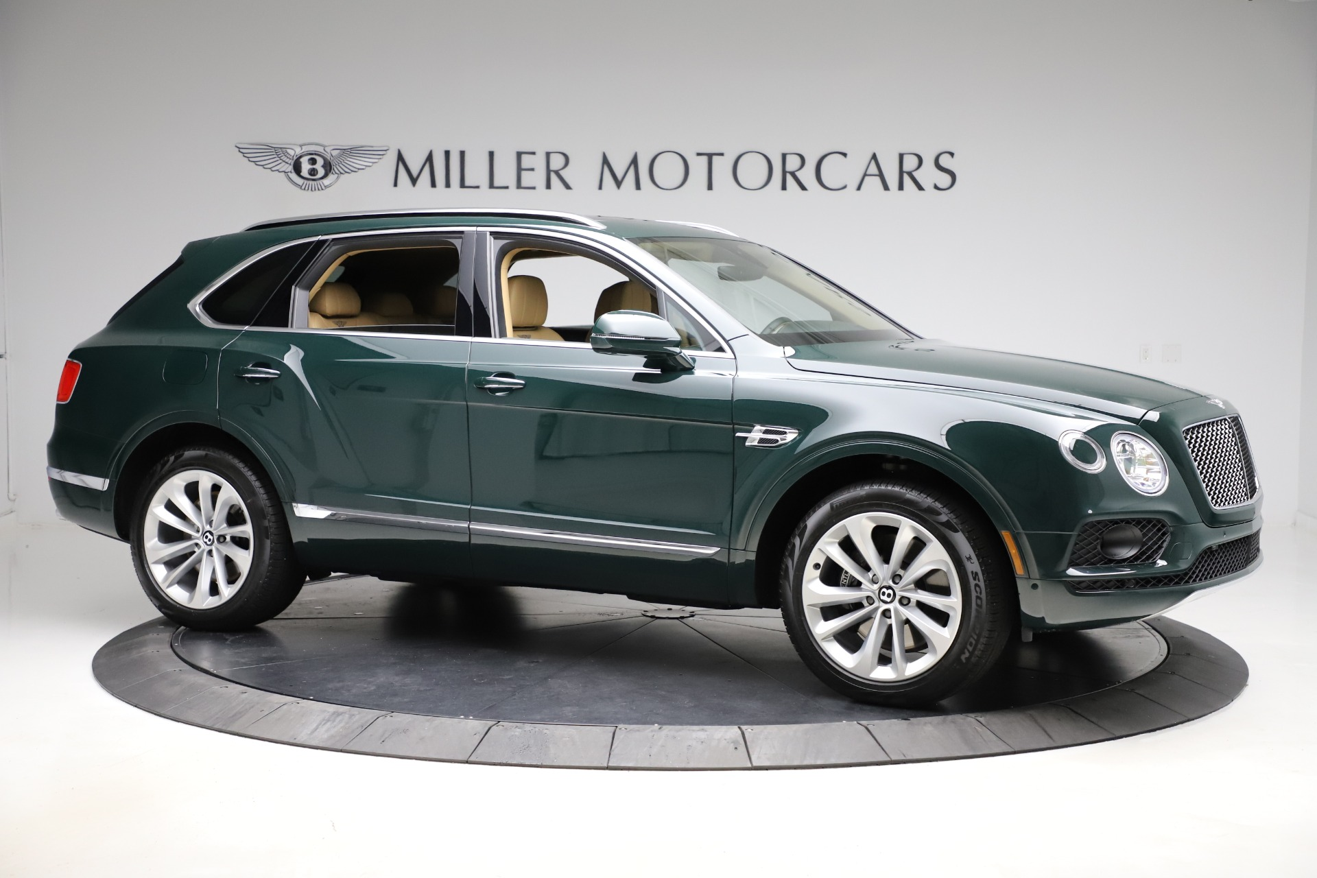 New 2019 Bentley Bentayga V8 For Sale In Westport, CT 2541_p10