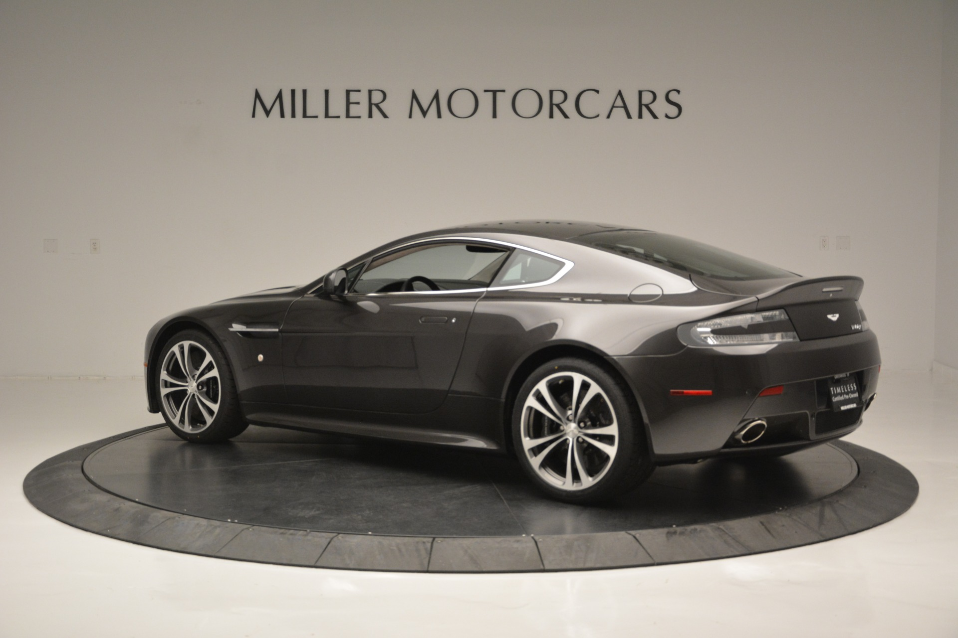 Used 2012 Aston Martin V12 Vantage Coupe For Sale In Westport, CT 2544_p4