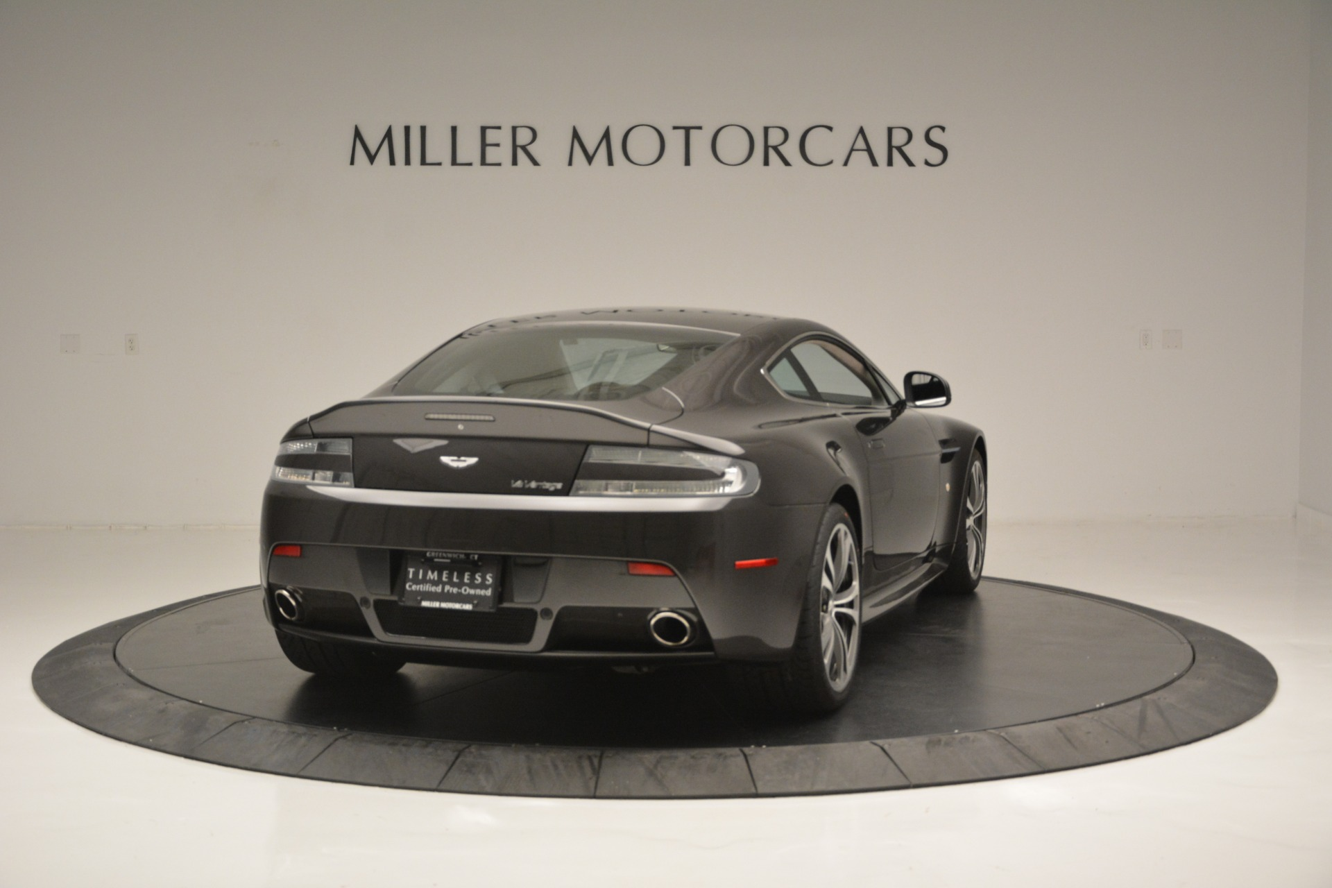 Used 2012 Aston Martin V12 Vantage Coupe For Sale In Westport, CT 2544_p7