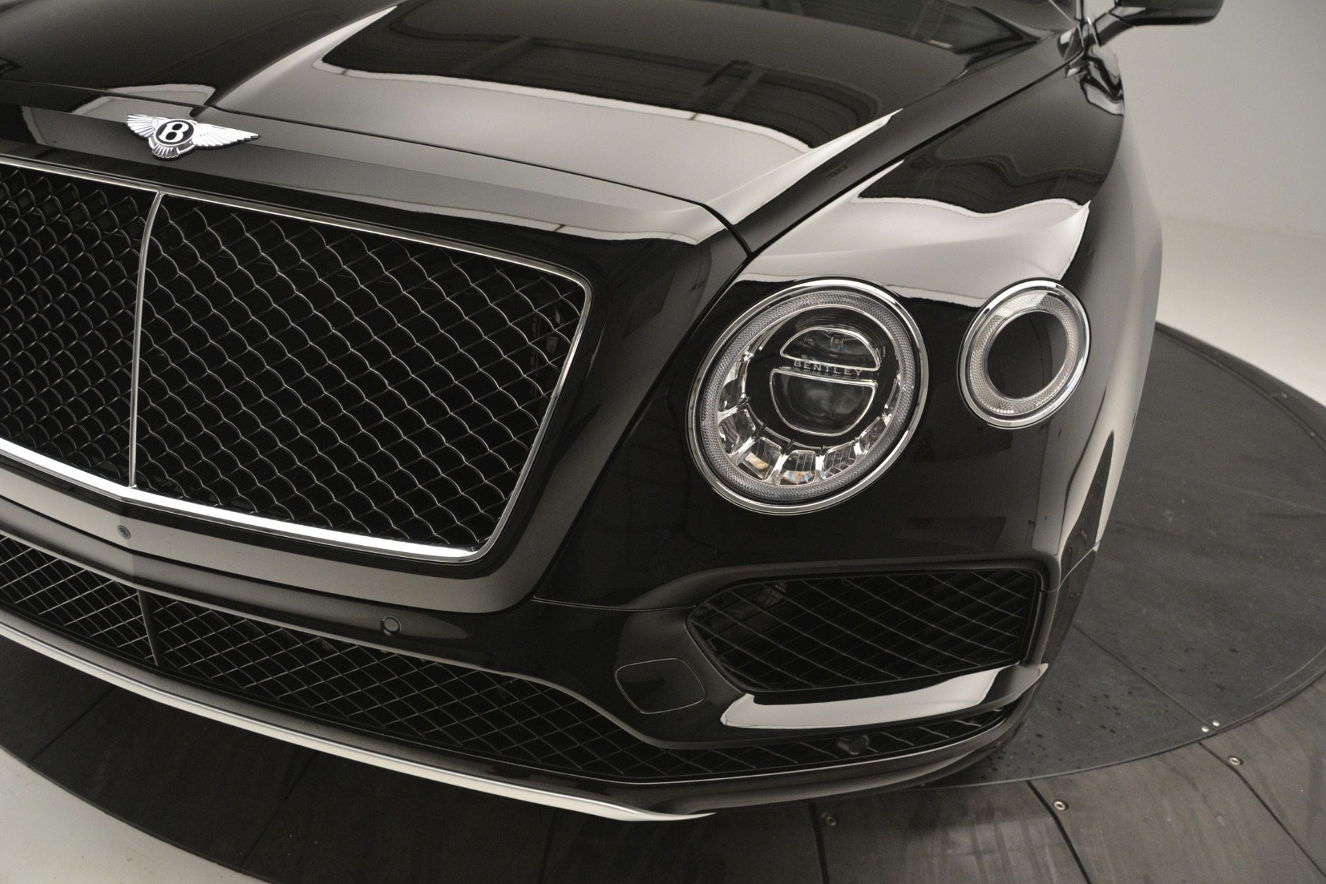 New 2019 Bentley Bentayga V8 For Sale In Westport, CT 2545_p14
