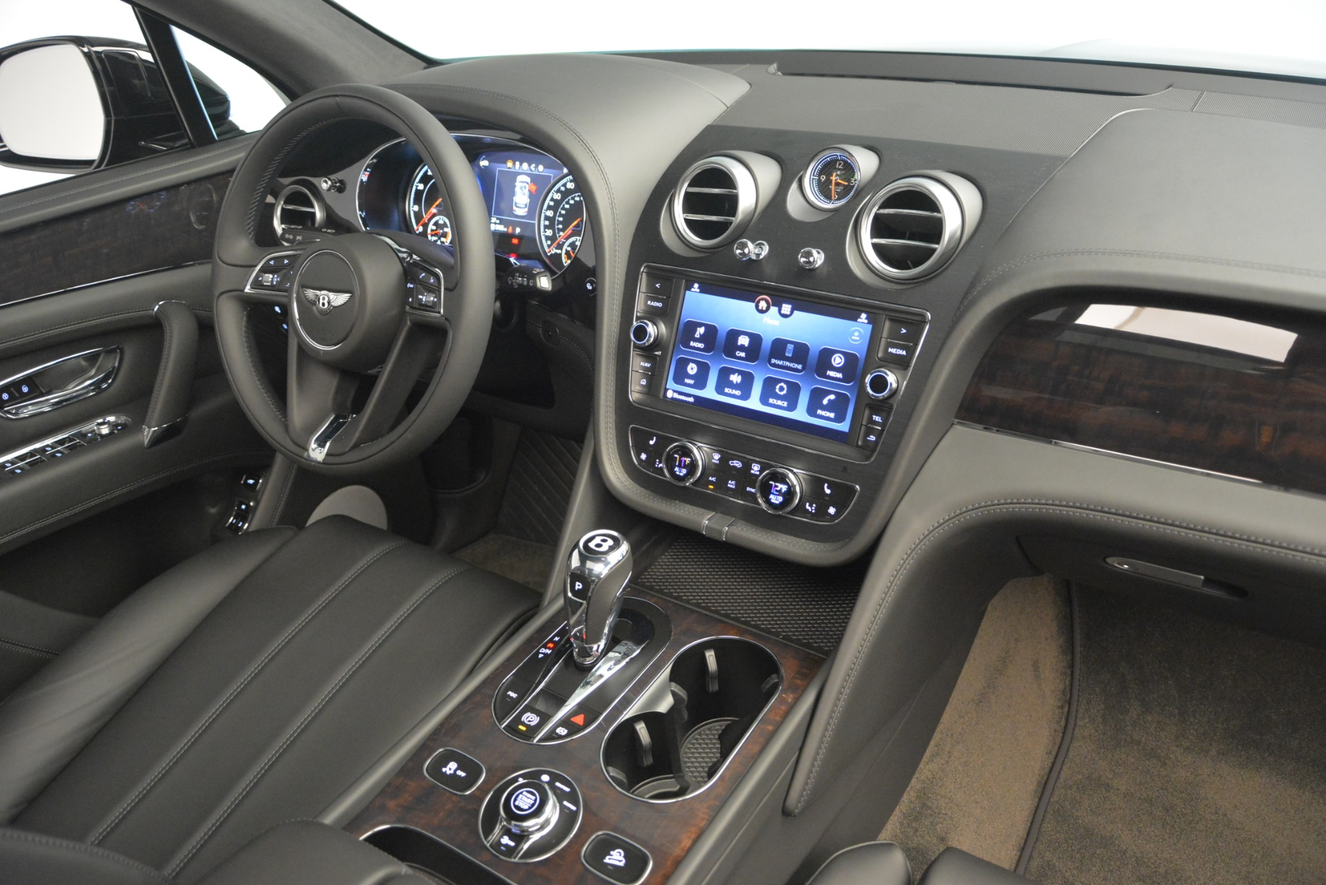 New 2019 Bentley Bentayga V8 For Sale In Westport, CT 2545_p21